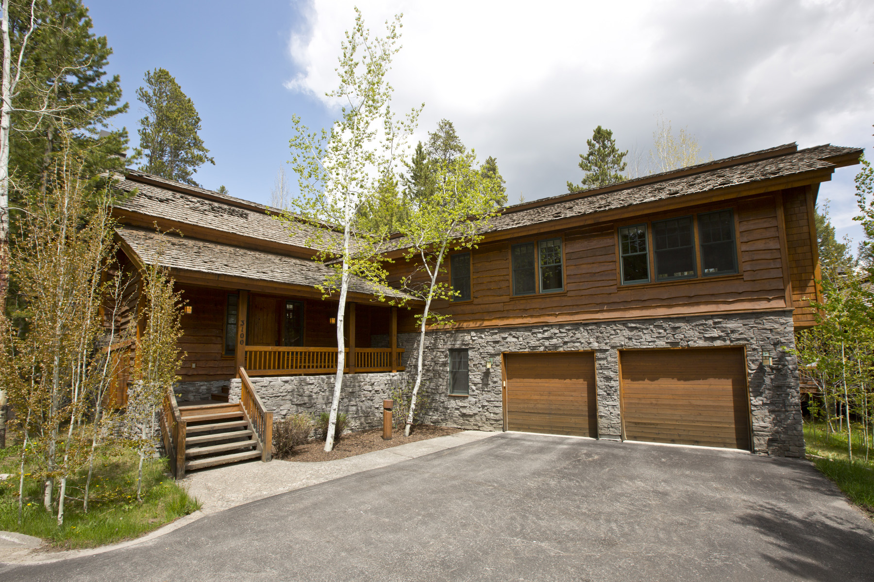 Таунхаус для того Продажа на Quintessential Jackson Hole Ski Home 3100 Arrowhead Teton Village, Вайоминг 83025 Соединенные Штаты
