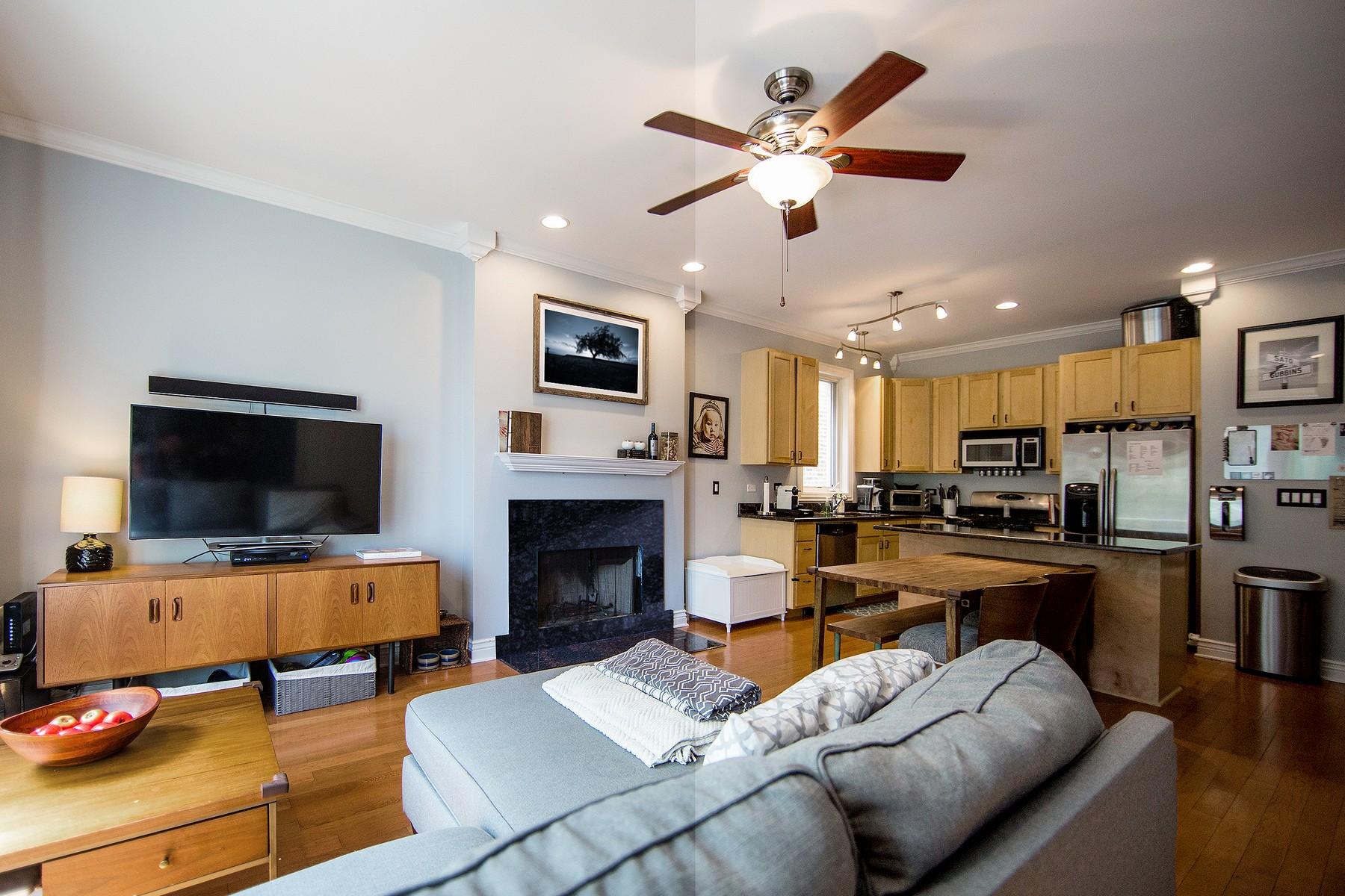 Condominio por un Venta en Spacious South Facing Home 2638 W Potomac Avenue Unit 2W Humboldt Park, Chicago, Illinois, 60622 Estados Unidos