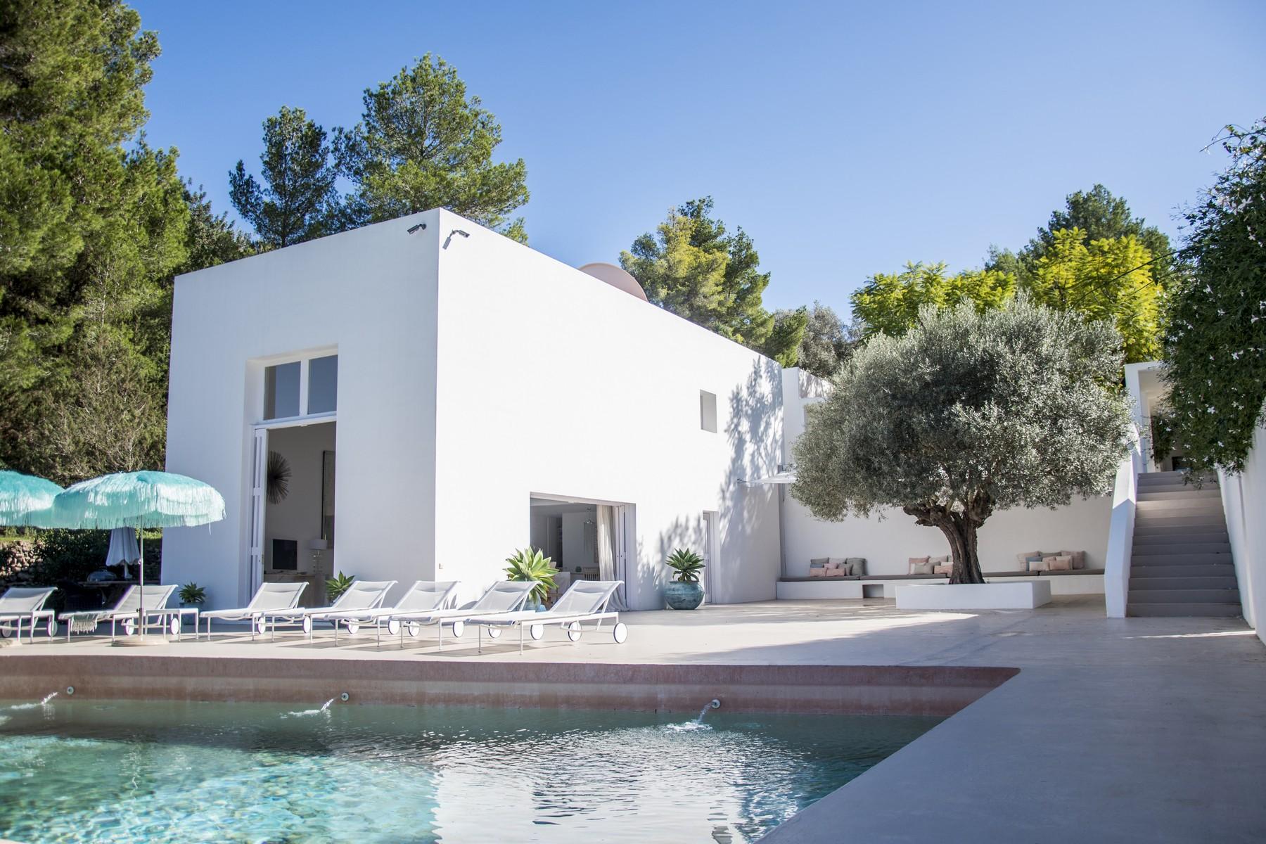 Nhà ở một gia đình vì Bán tại West Facing Minimalist Villa Set In San Juan San Juan, Ibiza, 07810 Tây Ban Nha
