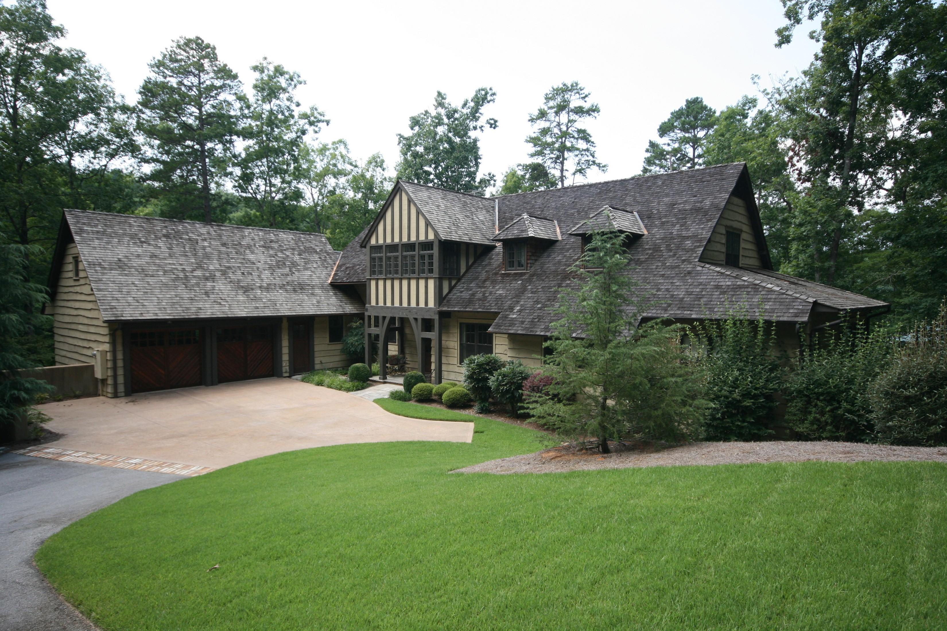 Single Family Home for Sale at Casual Elegance & Architectural Charm 128 Big Creek Trail The Cliffs At Keowee Springs, Six Mile, South Carolina, 29682 United States