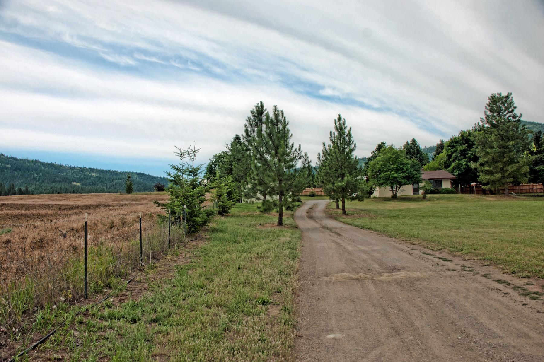 Maison unifamiliale pour l Vente à 9604 W. Driftwood 9604 W. Driftwood Dr. Coeur D Alene, Idaho 83814 États-Unis