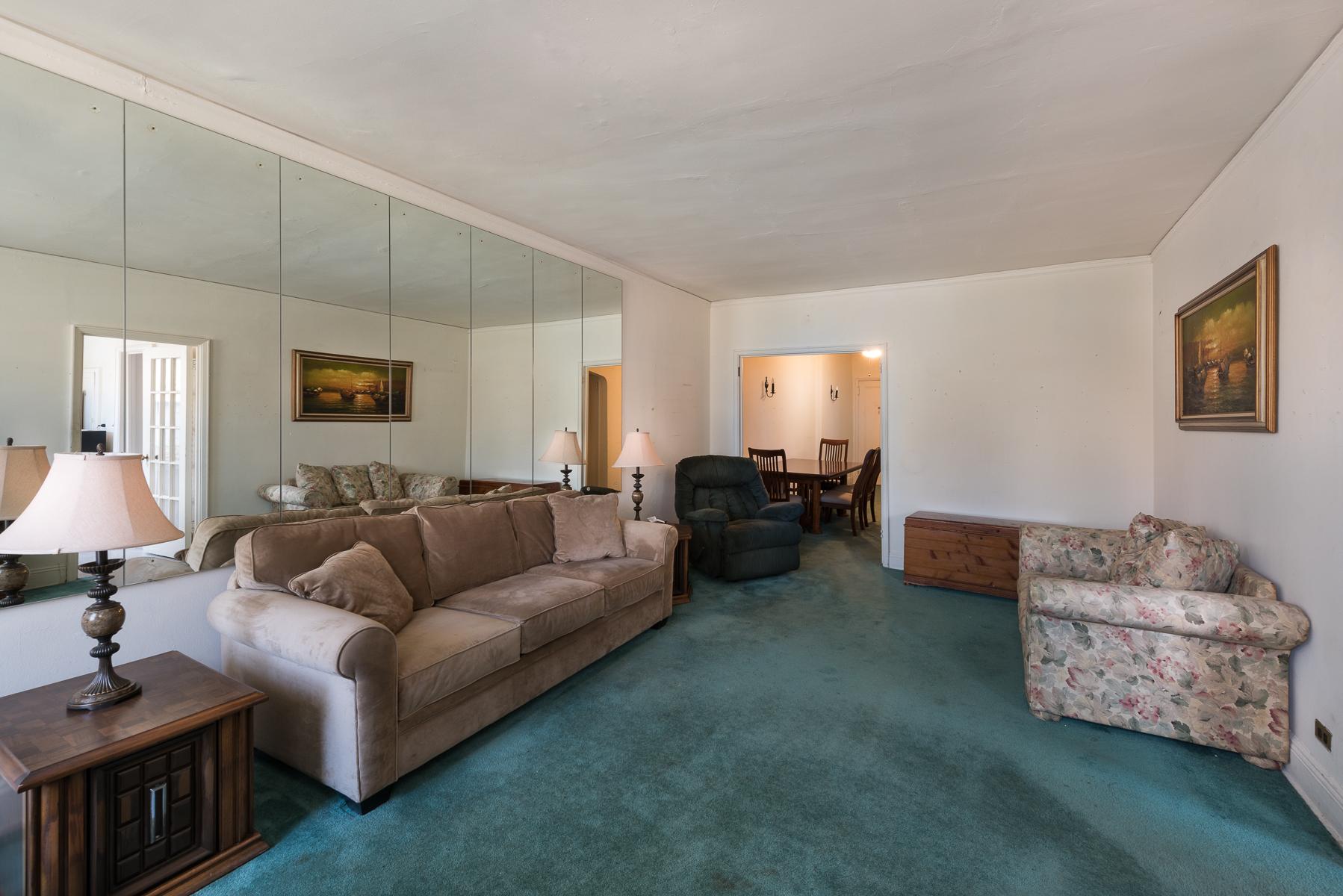 合作公寓 为 销售 在 Spacious and Sun-filled Corner 2 BR 3875 Waldo Avenue 3A Riverdale, 纽约州 10463 美国