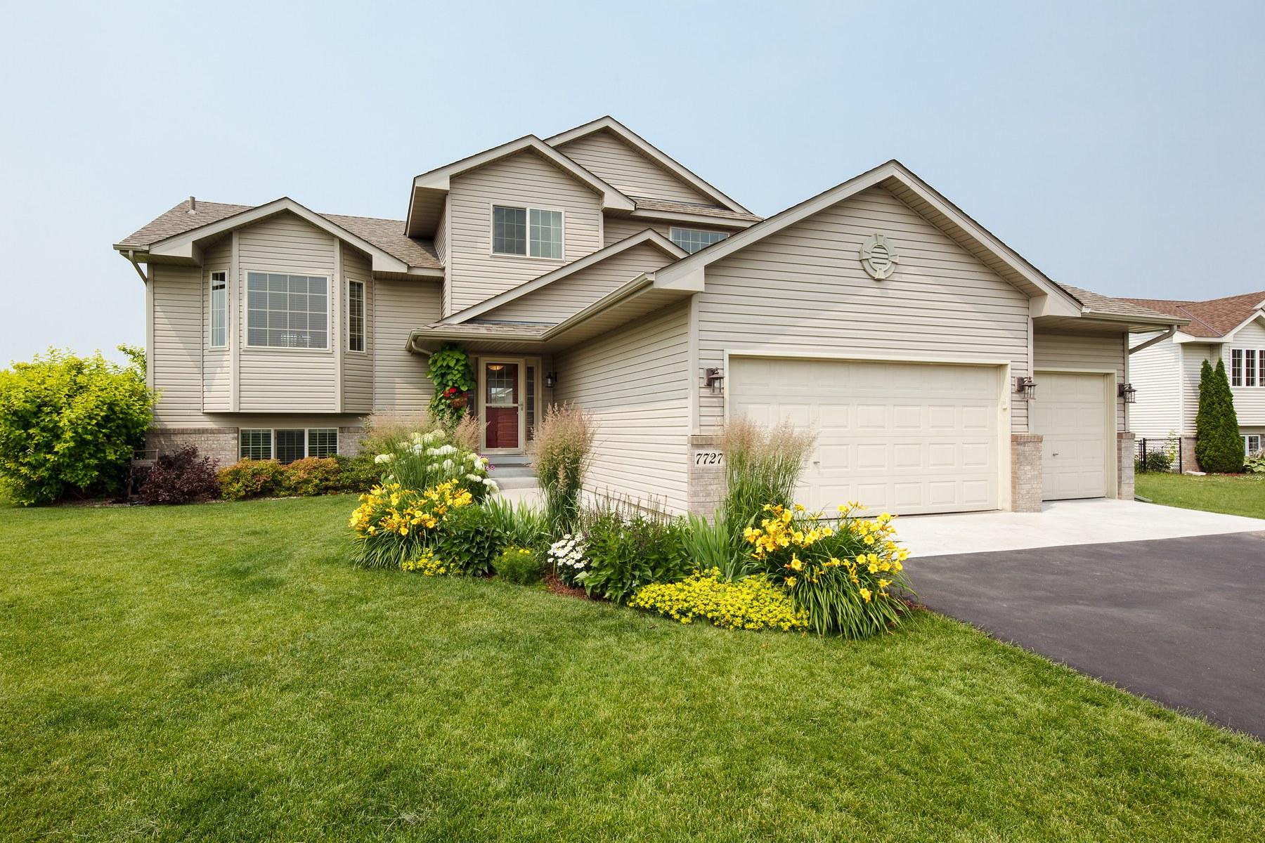 Maison unifamiliale pour l Vente à 7727 Landau Avenue NE Otsego, Minnesota 55301 États-Unis