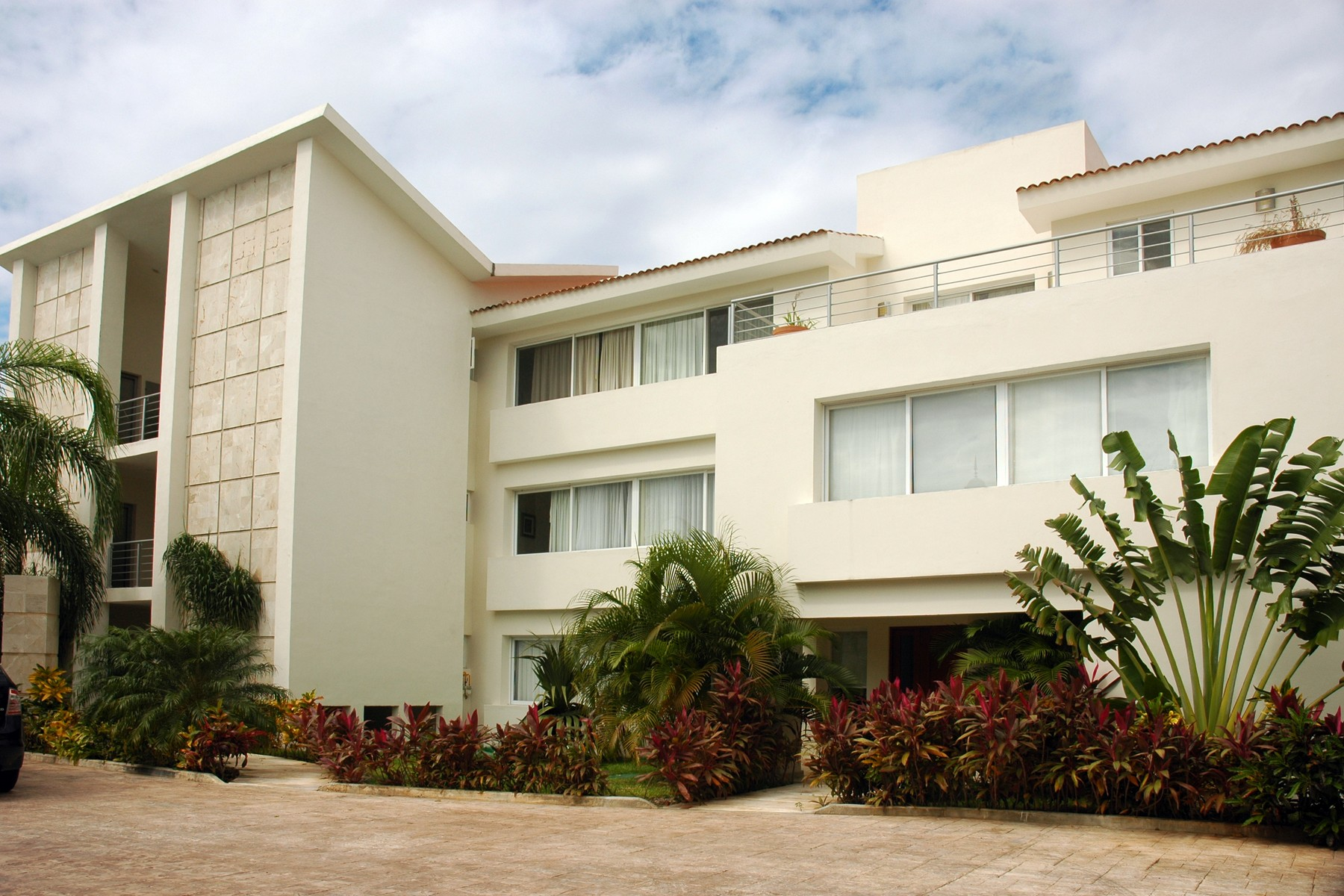 Condominium for Sale at GOLF ONE B2 Playa Del Carmen, Quintana Roo, 77710 Mexico