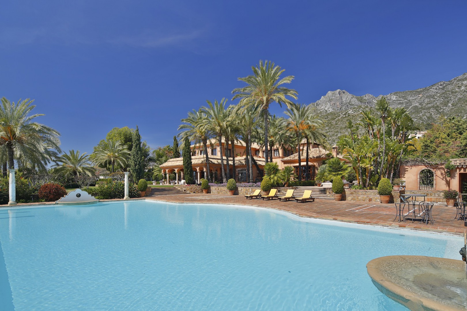 獨棟家庭住宅 為 出售 在 A stunning residence situated in a prestigious urbanisation Marbella, Costa Del Sol 29600 西班牙