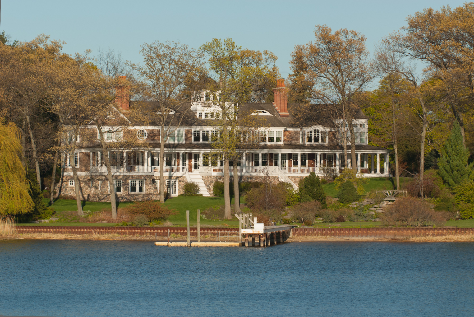 Additional photo for property listing at Refined Waterfront Legacy Estate 186 S. Division Holland, Michigan 49424 United States