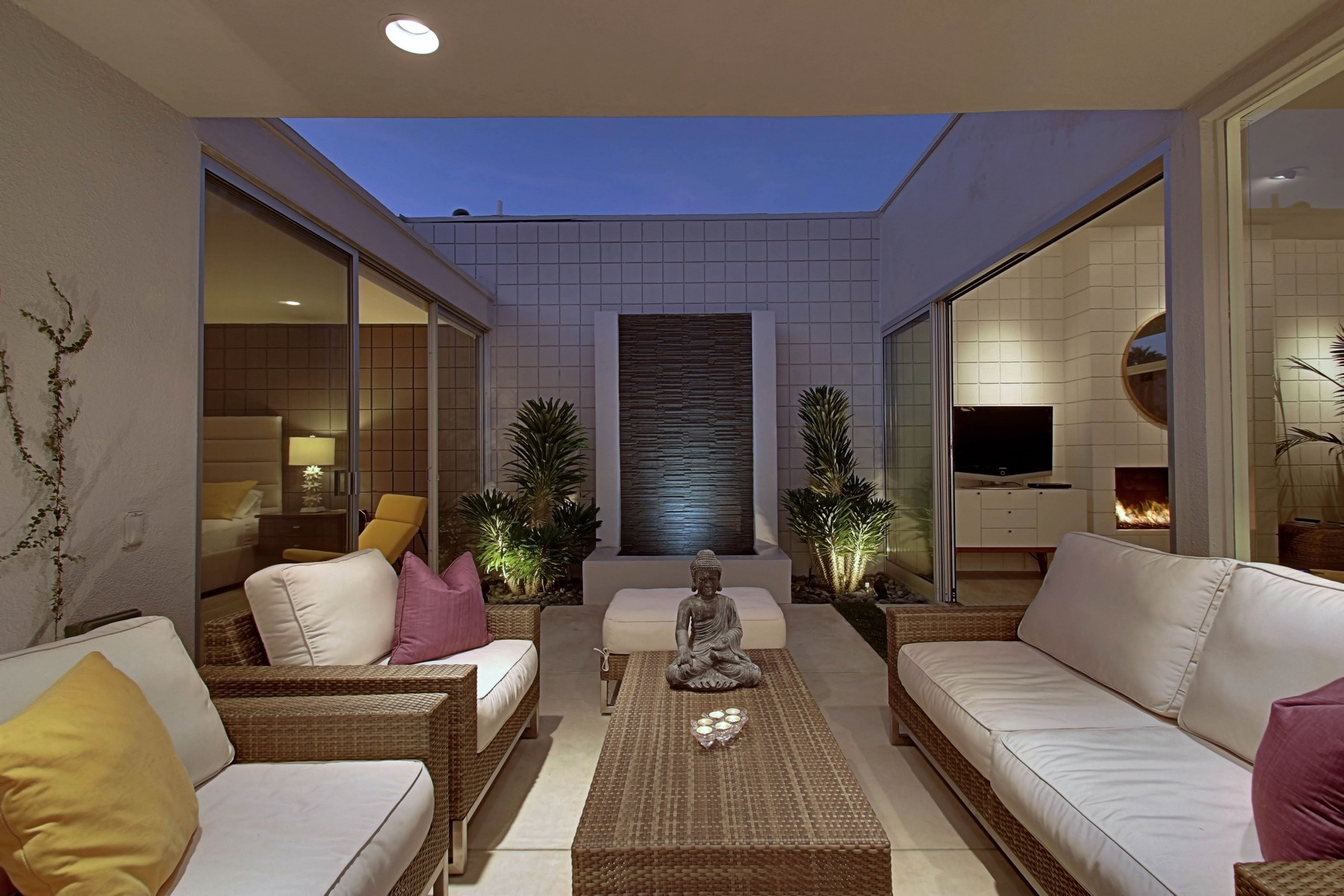 Condominium for Sale at 790 East La Verne Way Palm Springs, California 92264 United States