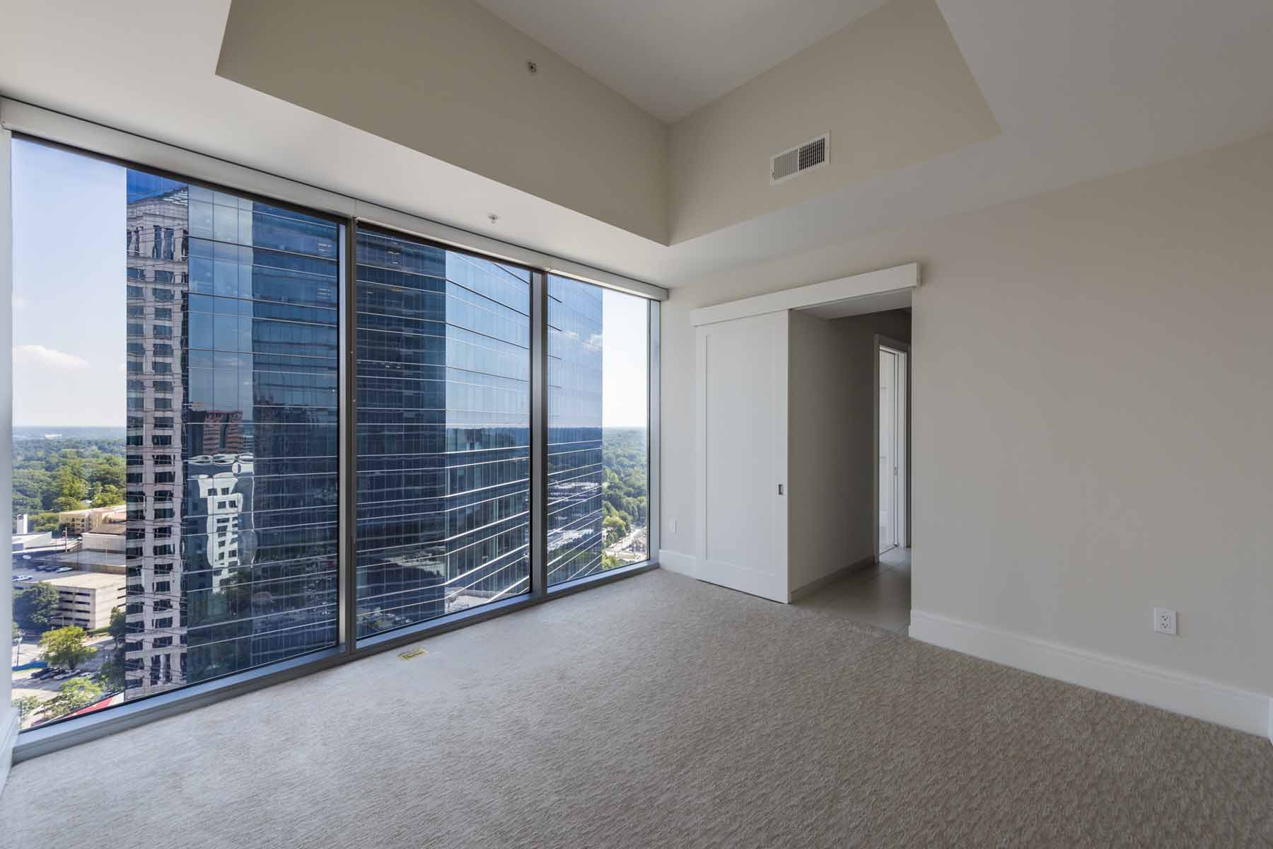 Kat Mülkiyeti için Satış at Two Bedroom Condo with Flex Space in Midtown Atlanta 1065 Peachtree Street NE Unit 2702 Atlanta, Georgia, 30309 Amerika Birleşik Devletleri