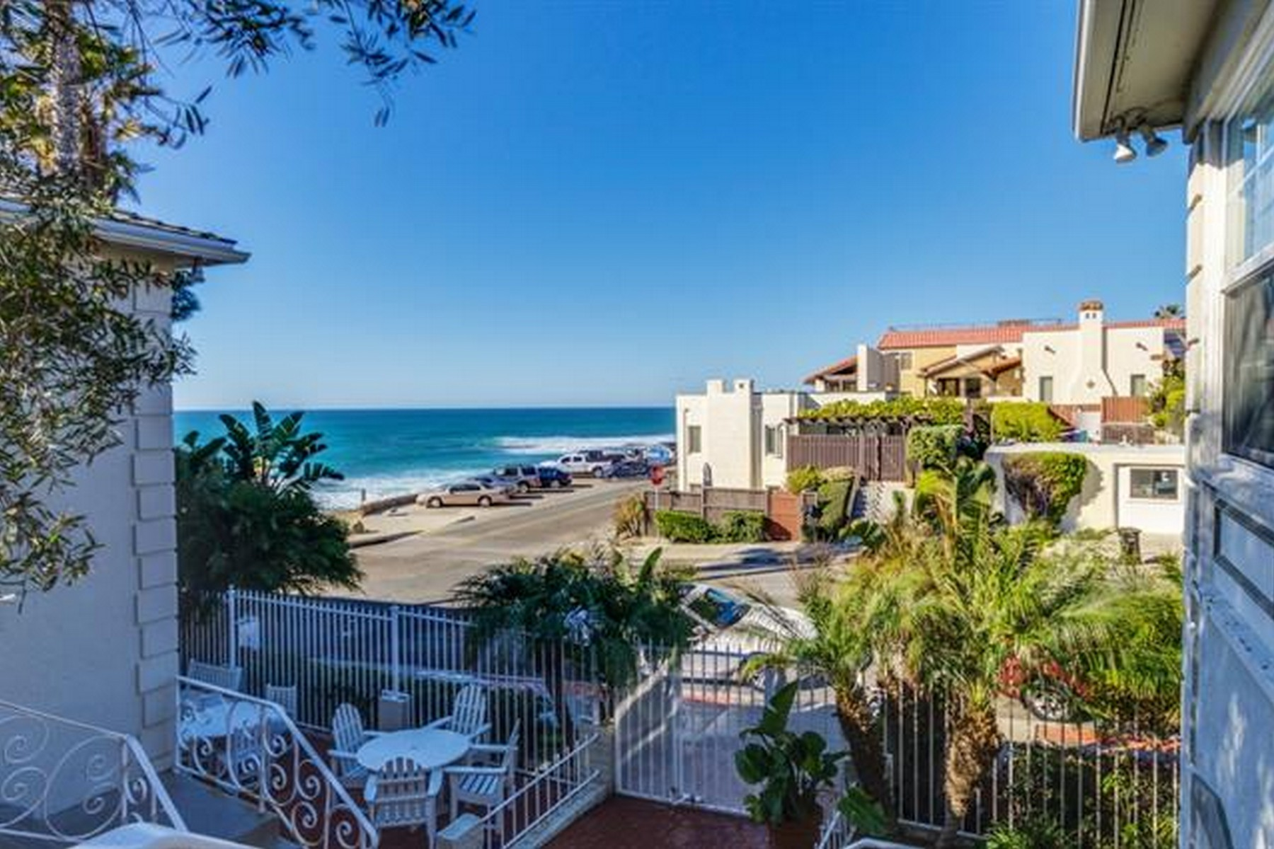 Additional photo for property listing at 215 Bonair Street, #8  La Jolla, California 92037 United States