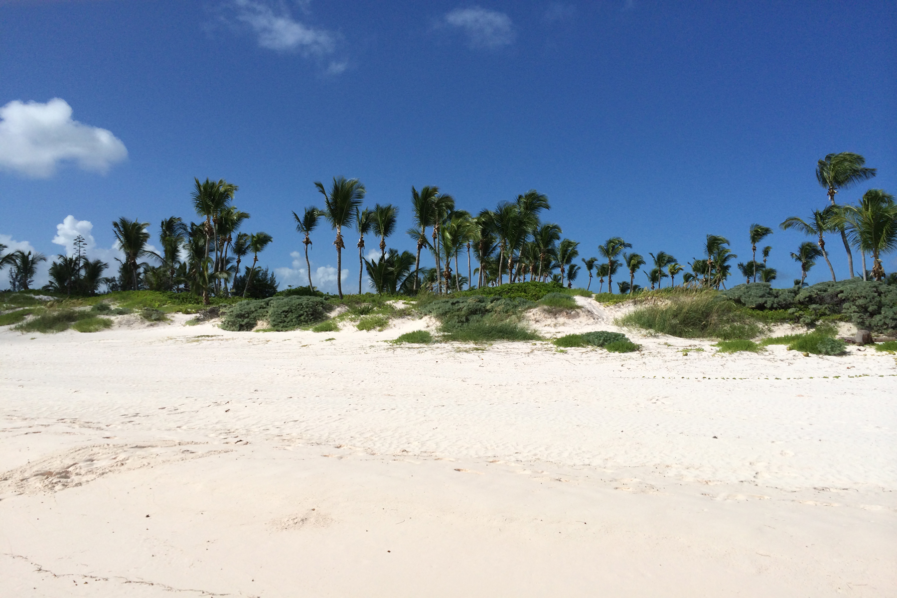 Single Family Home for Sale at French Leave, Beachfront Villa Governors Harbour, Eleuthera Bahamas
