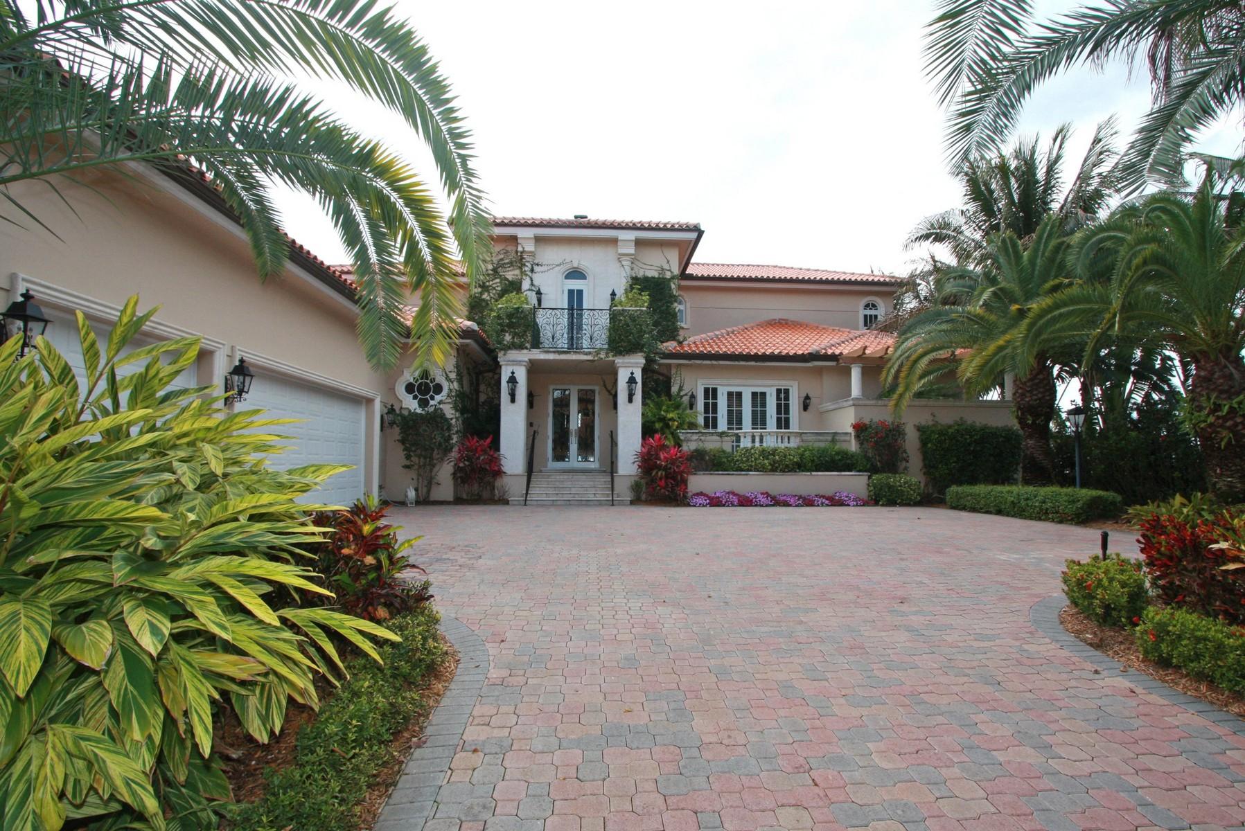 단독 가정 주택 용 매매 에 13678 Deering Bay Dr Coral Gables, 플로리다 33158 미국