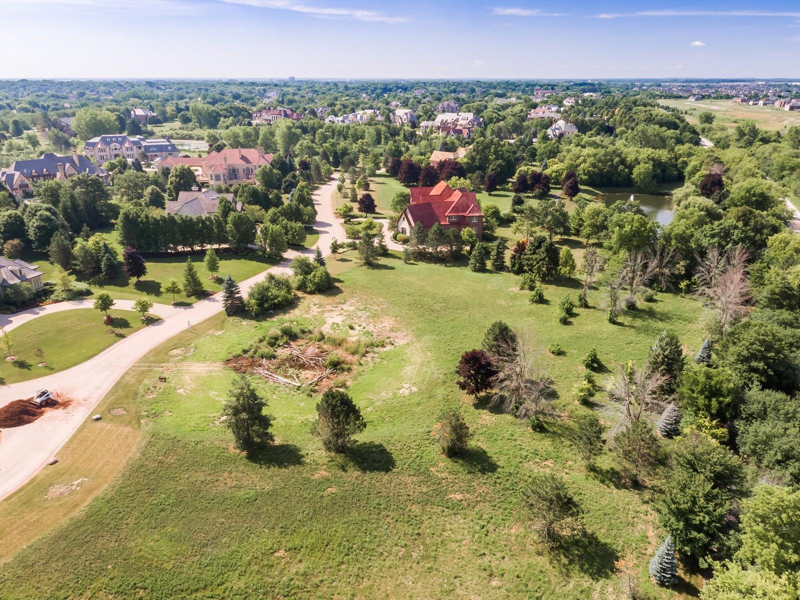 Terreno por un Venta en Incredible 1.3 Acre Estate Lot in Hidden Lakes 18 Brooke Lane Lot 32 South Barrington, Illinois, 60010 Estados Unidos