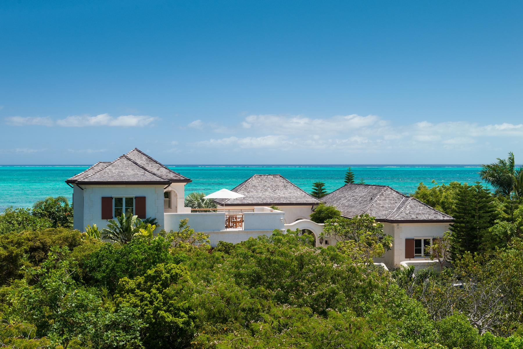 Additional photo for property listing at Casa Barana Beachfront Thompson Cove, Providenciales TCI BWI Islas Turcas Y Caicos