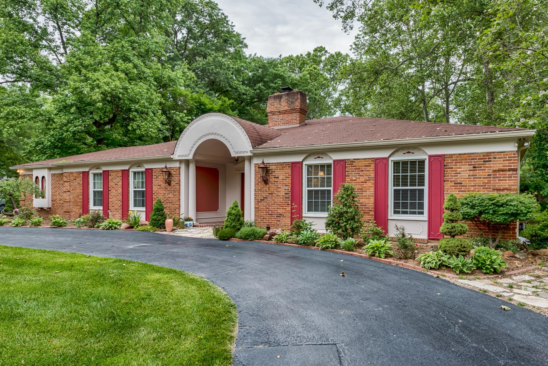 獨棟家庭住宅 為 出售 在 Dogwood Lane 6 Dogwood Lane Ladue, 密蘇里州, 63124 美國