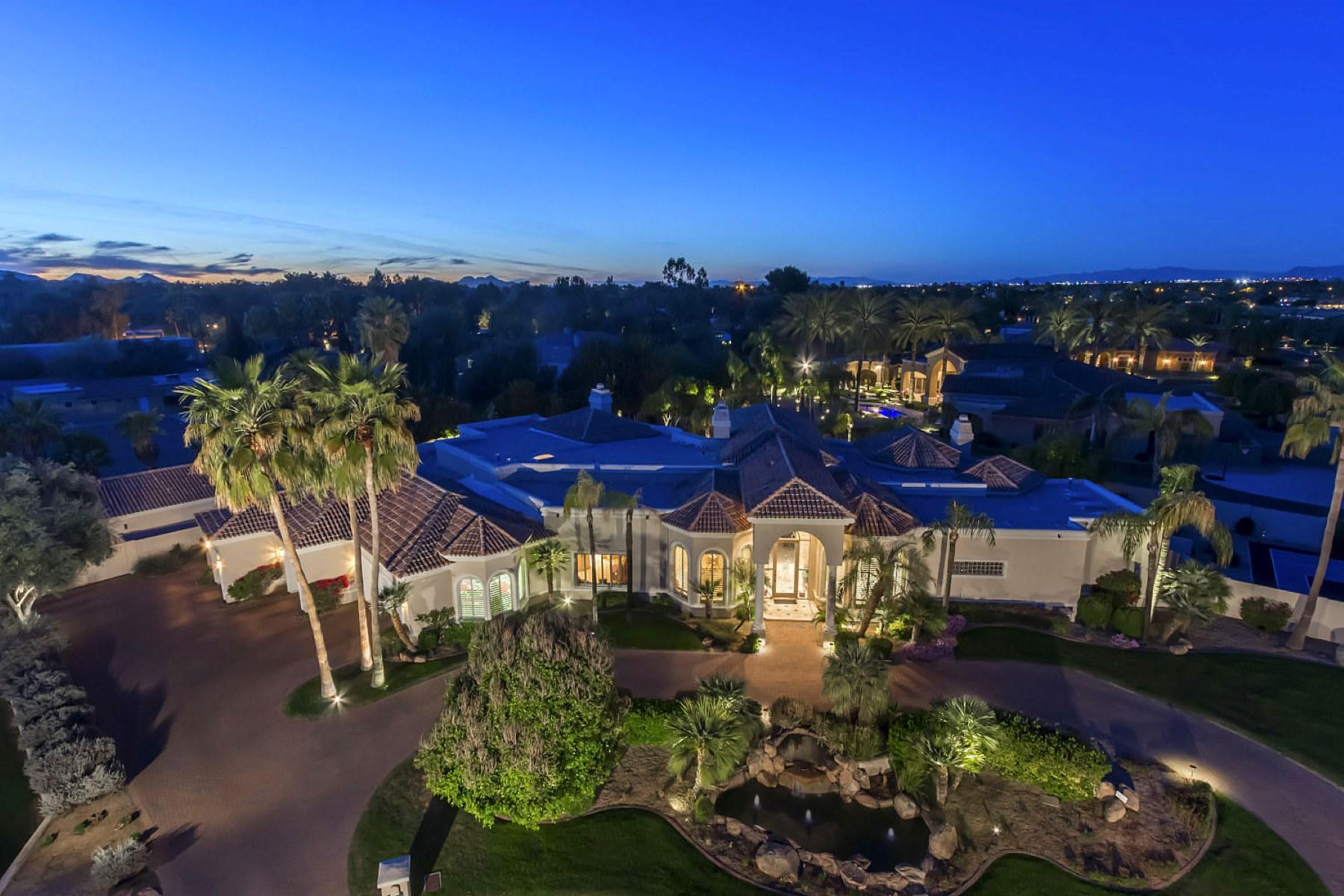 단독 가정 주택 용 매매 에 Beautiful Santa Barbara Estate Home in Privately Gated Hidden Paradise 5420 E Berneil Drive Paradise Valley, 아리조나, 85253 미국