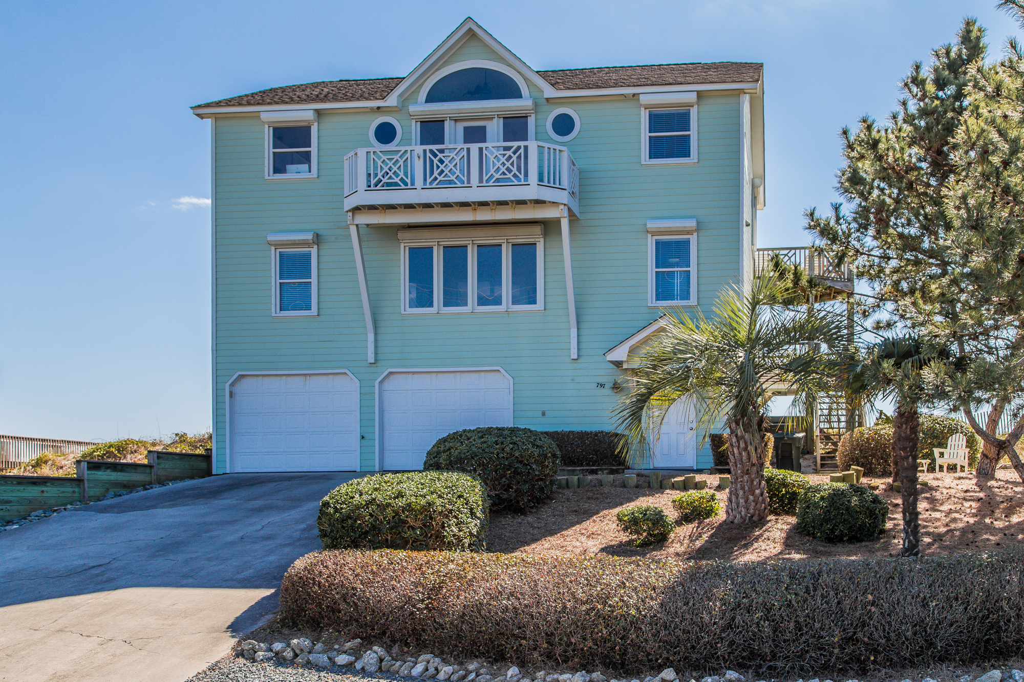 Single Family Home for Sale at Oceanfront Serenity 797 N. Anderson Blvd. Topsail Beach, North Carolina, 28445 United States