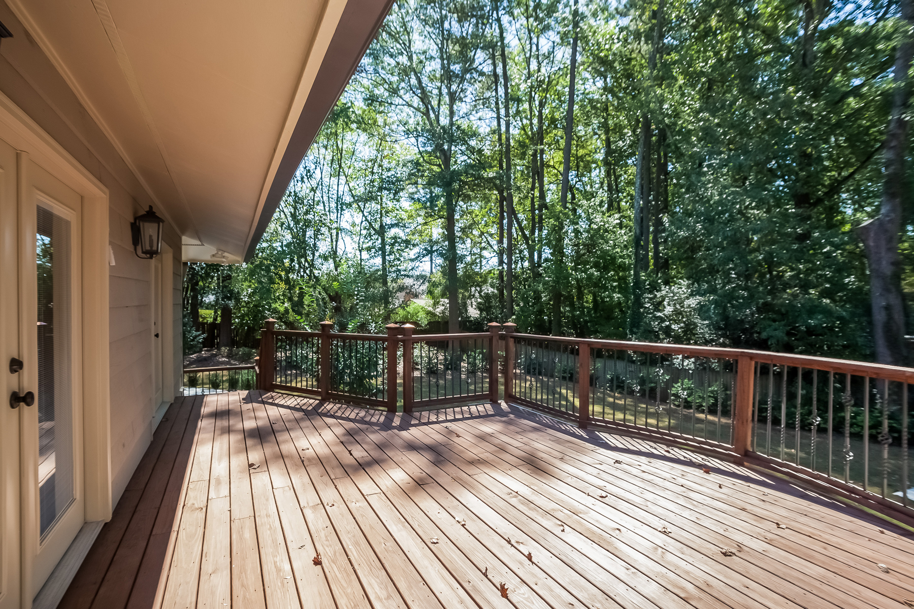 Additional photo for property listing at Beautiful Sandy Springs Home 595 Spalding Drive Sandy Springs, Geórgia 30328 Estados Unidos