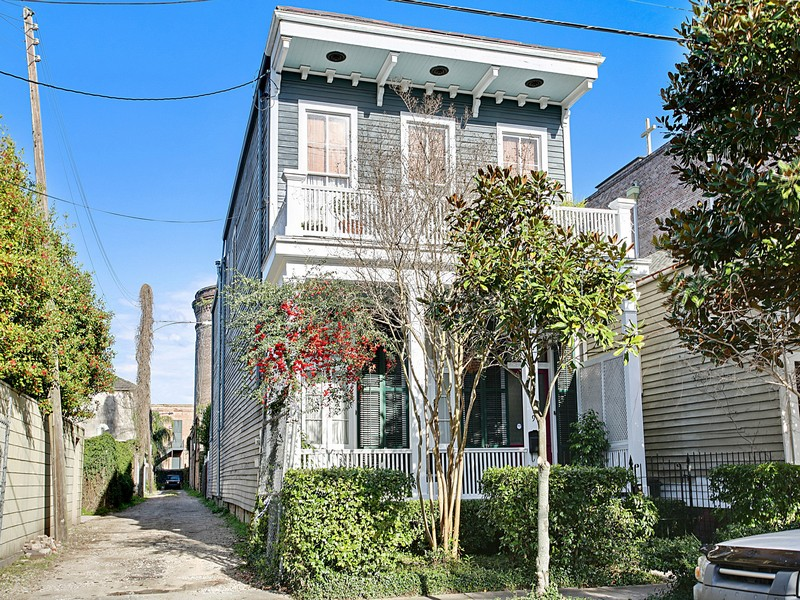 Single Family Home for Sale at 1019 Josephine Street New Orleans, Louisiana 70130 United States