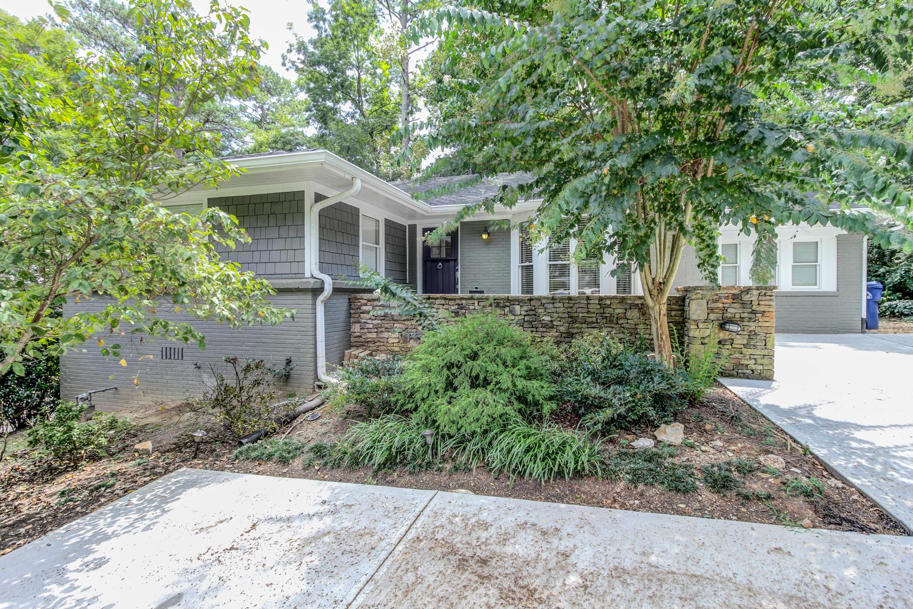 단독 가정 주택 용 매매 에 Buckhead Ranch Home 1722 Moores Mill Road NW Ridgewood Heights, Atlanta, 조지아 30318 미국