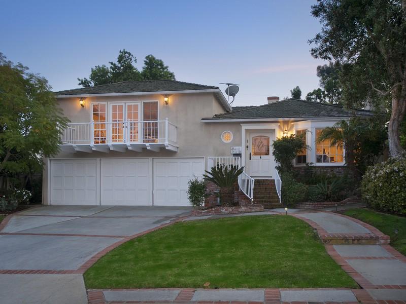 Villa per Vendita alle ore 4112 Via Largavista Palos Verdes Estates, California 90274 Stati Uniti