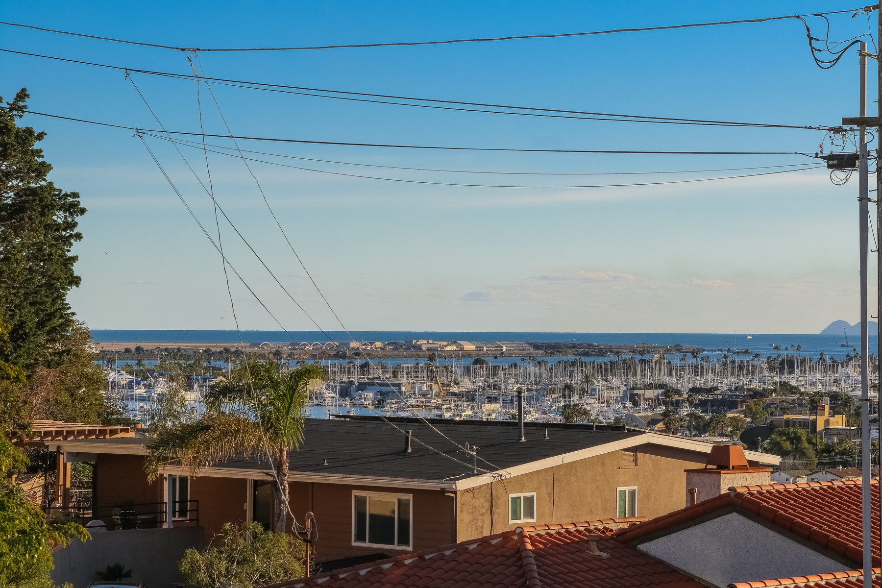 Additional photo for property listing at 3330 Oliphant Street  San Diego, Californie 92106 États-Unis