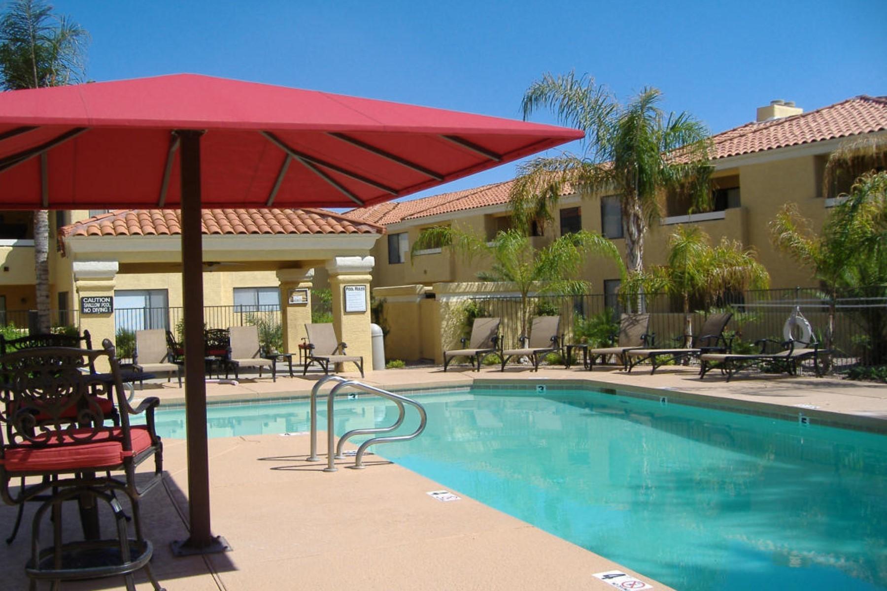 Apartamento para Venda às Very nice condo with upgrades 9990 N Scottsdale Rd #1037 Paradise Valley, Arizona, 85253 Estados Unidos