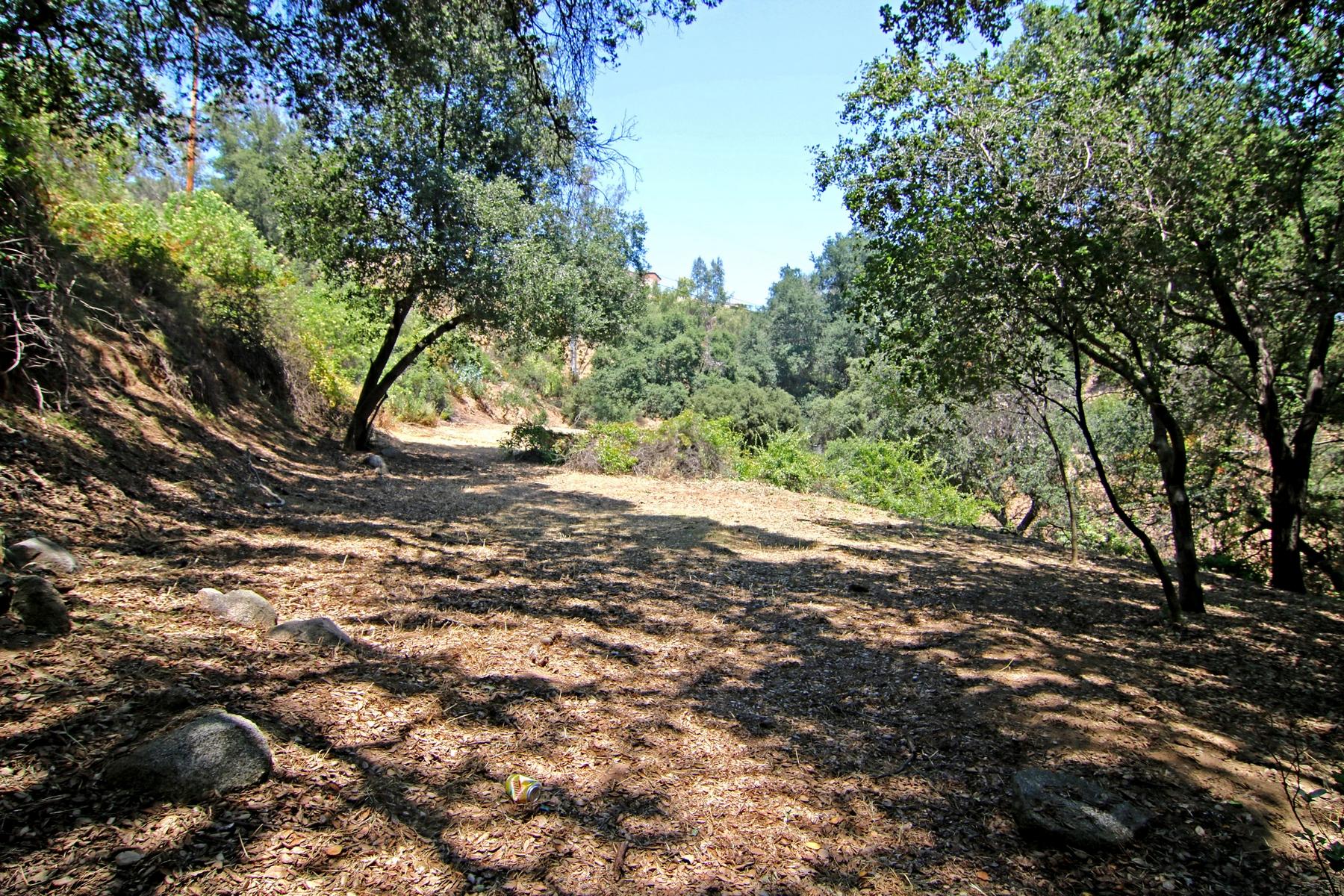Terreno per Vendita alle ore Live Oak Canyon Road Lot 2 La Verne, California, 91750 Stati Uniti