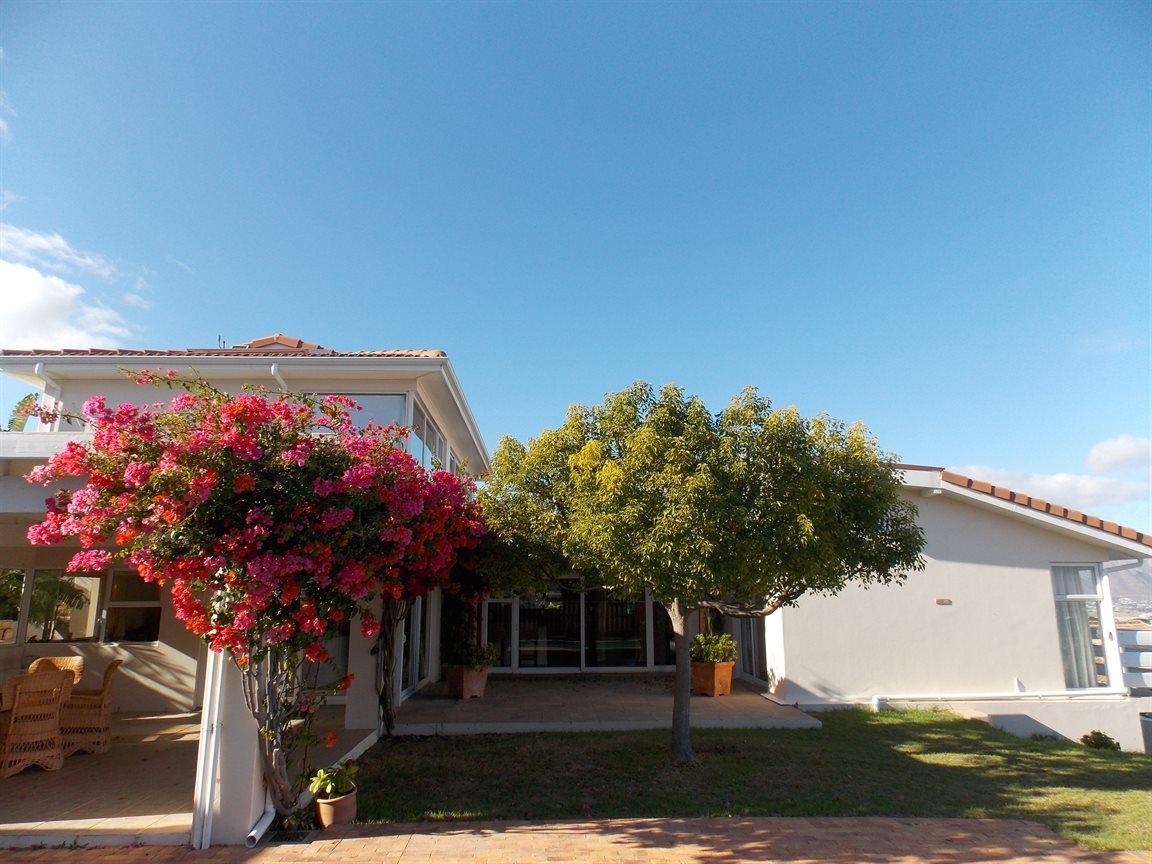 一戸建て のために 売買 アット Gated Estate in Somerset West Somerset West, 西ケープ 7130 南アフリカ