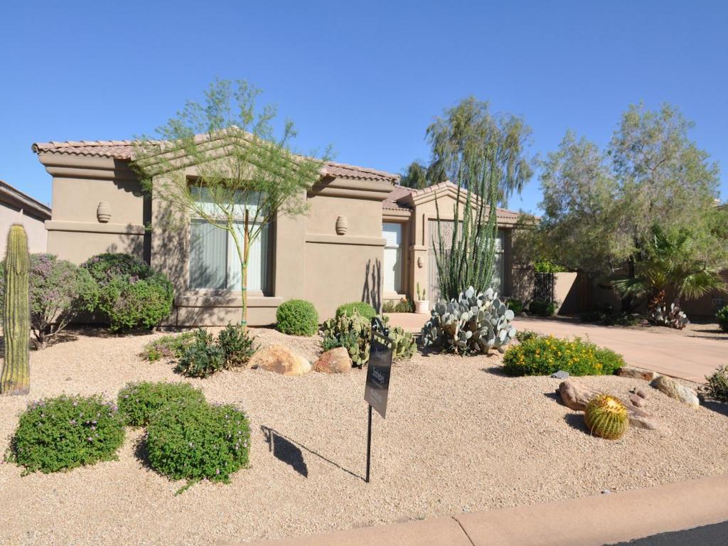 Maison unifamiliale pour l Vente à Gated Section of Legend Trail 34815 N 99TH WAY Scottsdale, Arizona 85262 États-Unis