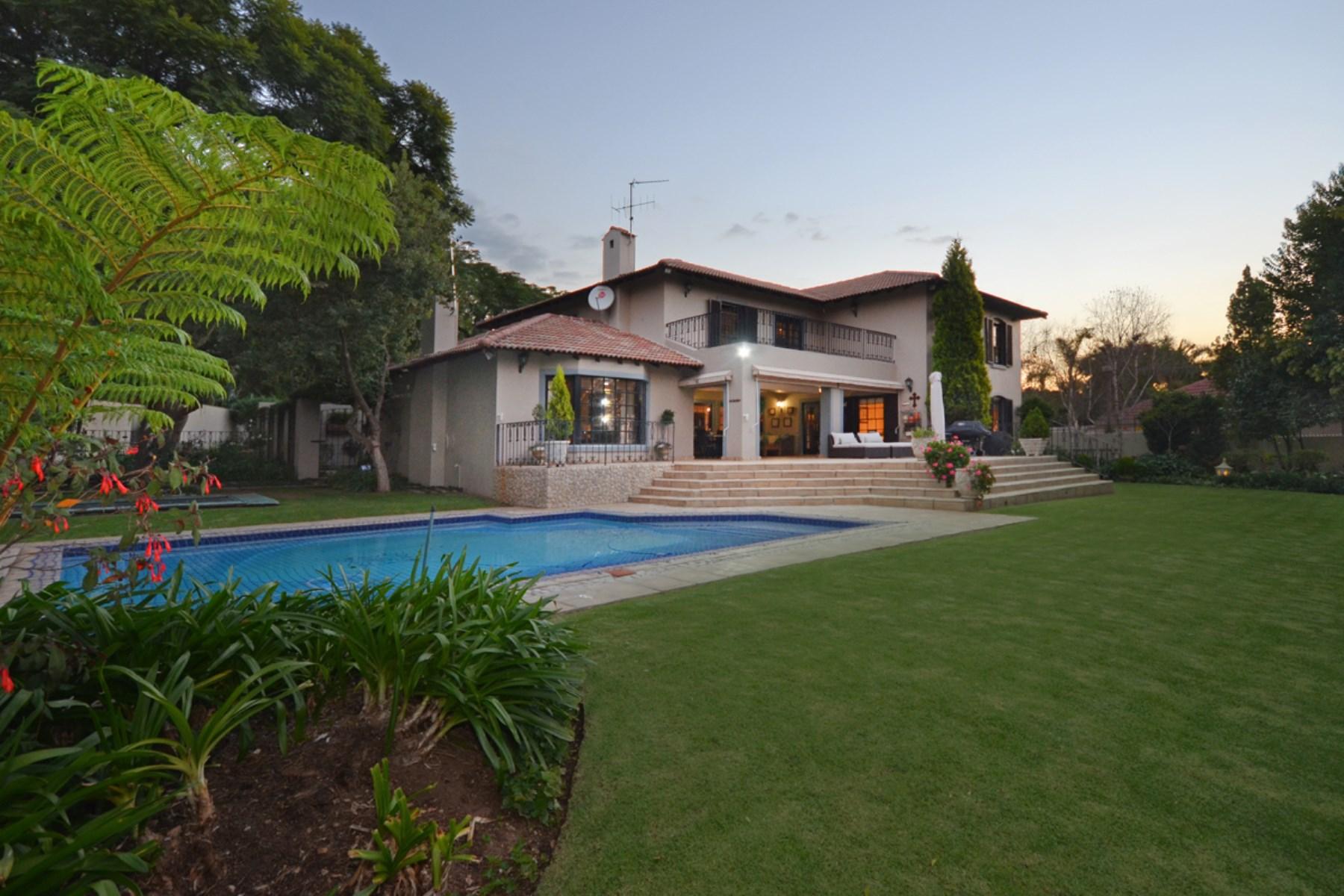 Moradia para Venda às A house in Bryanston Other Gauteng, Gauteng África Do Sul
