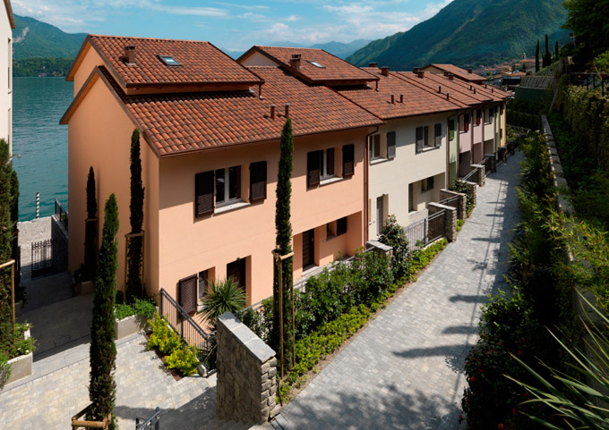 Vivienda unifamiliar por un Venta en Splendid semi-independent villa directly on the lake Località Bagnana Other Como, Como 22025 Italia