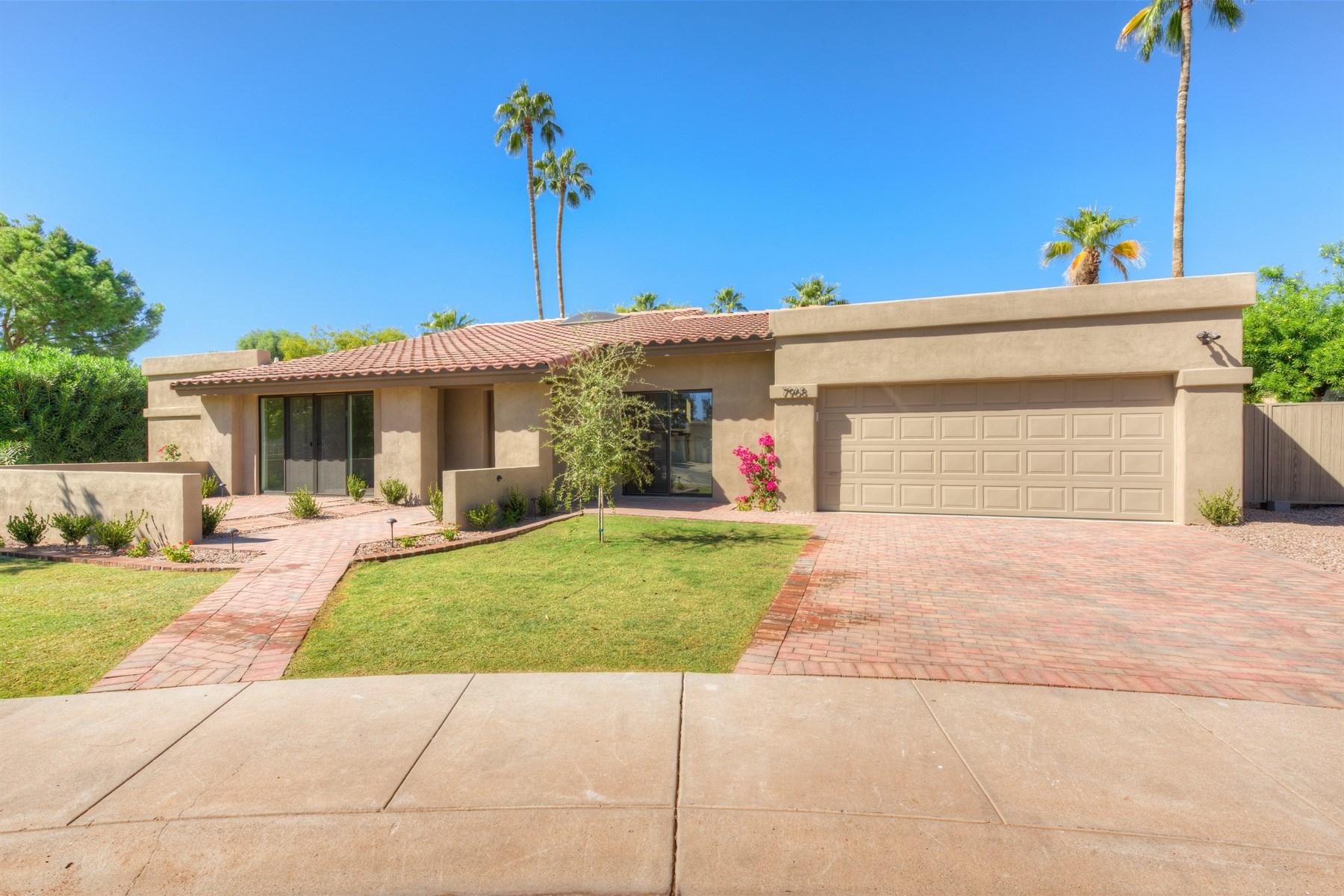 独户住宅 为 销售 在 Exceptional remodel in the heart of McCormick Ranch 7968 E Via Marina 斯科茨代尔, 亚利桑那州, 85258 美国