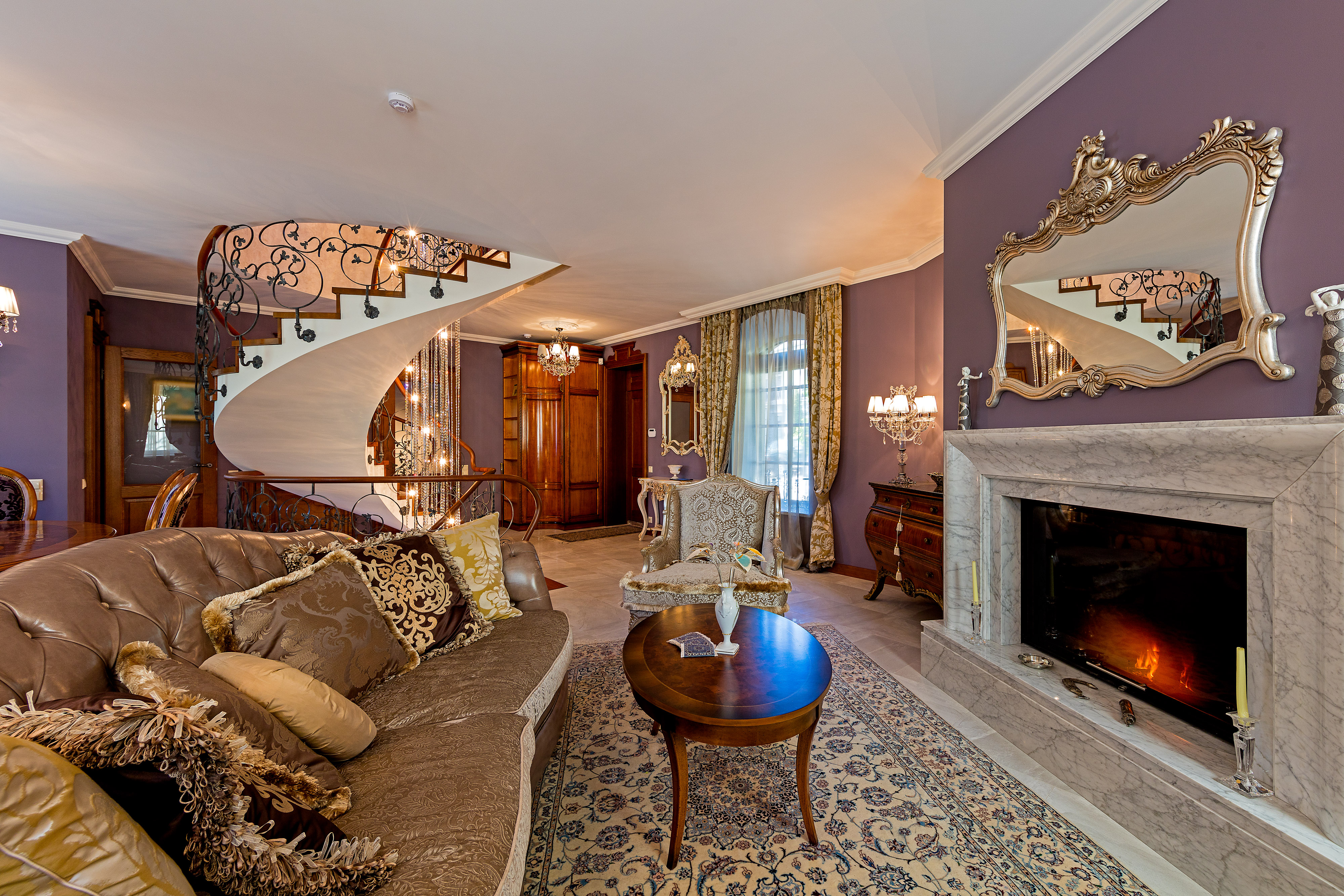 sales property at Luxurious Classic-style Cottage in the Heart of Old Town