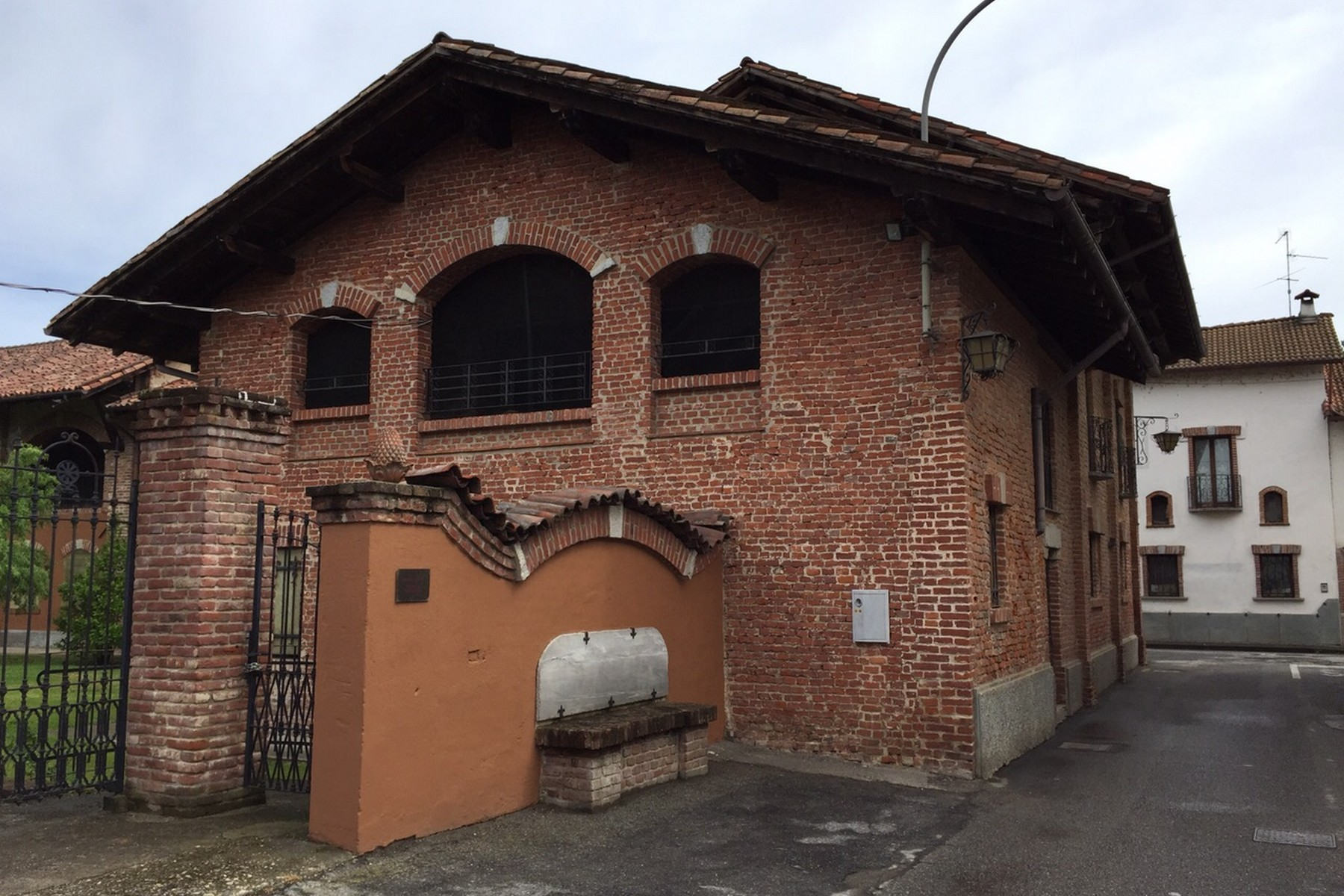 Additional photo for property listing at Unique historic hamlet in the Oltrepò Pavese Via delle Scuole Castelnovetto, Pavia 27030 Italy