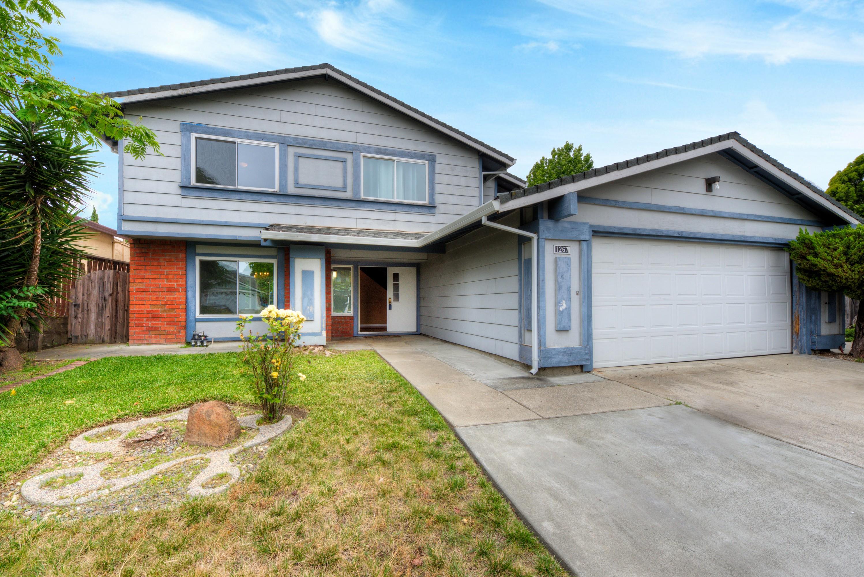 Nhà ở một gia đình vì Bán tại Spacious Vallejo Home 1267 Granada Street Vallejo, California, 94591 Hoa Kỳ