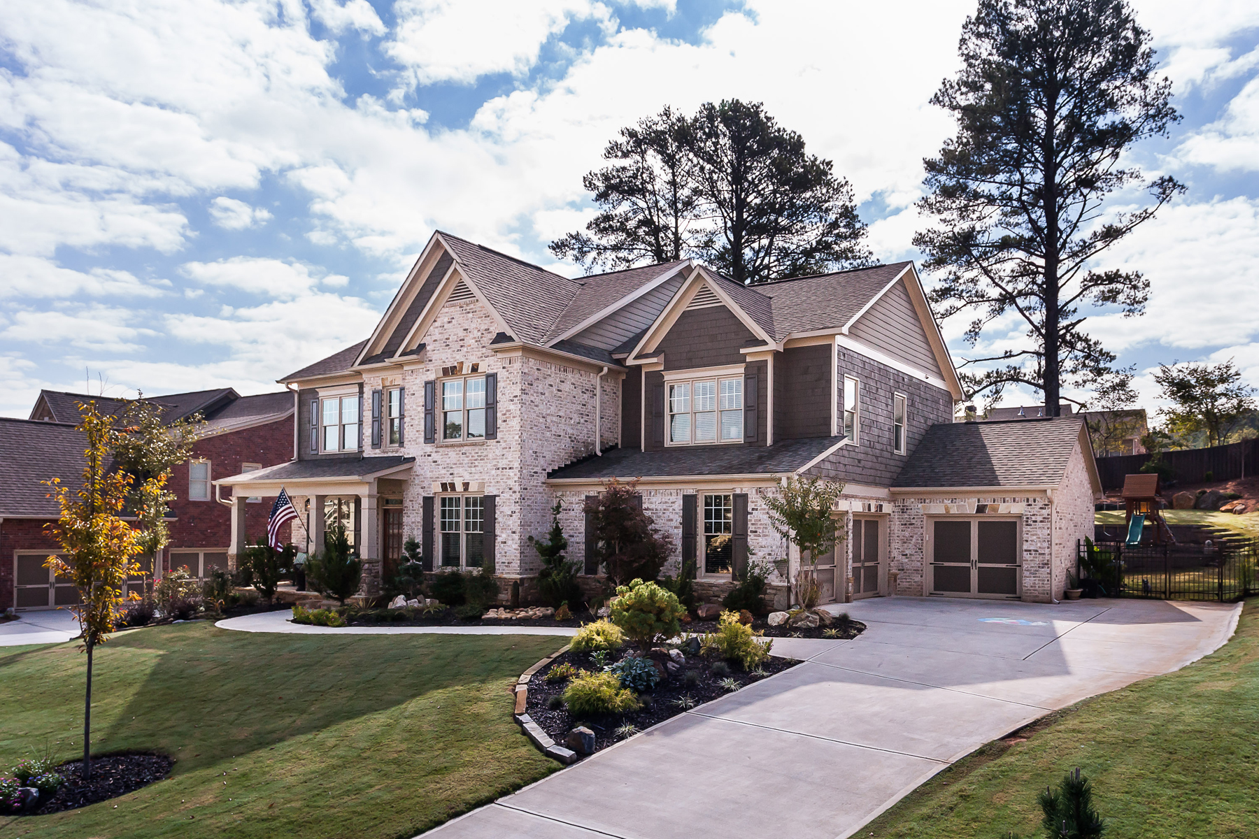 단독 가정 주택 용 매매 에 Stunning Newer Construction Home 409 Rocky Creek Grove Woodstock, 조지아 30188 미국