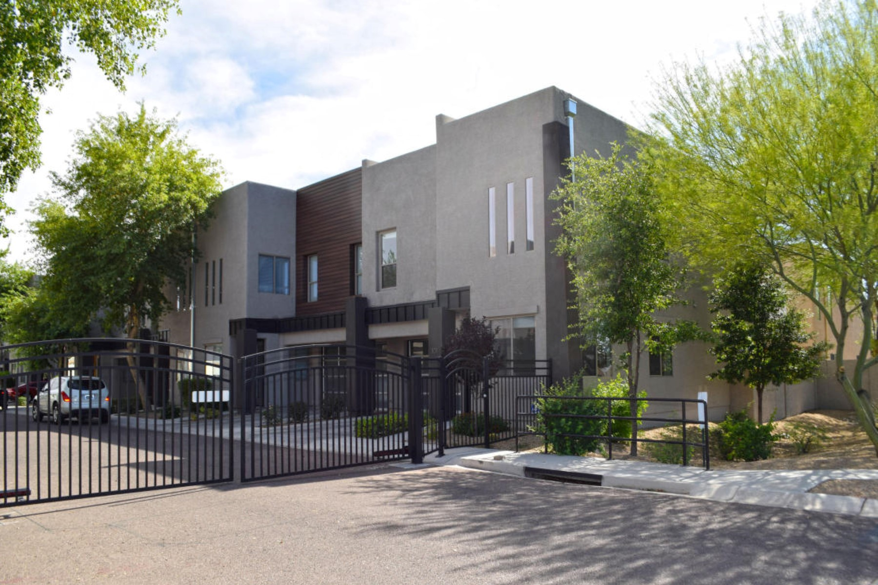 sales property at Highly upgraded townhome