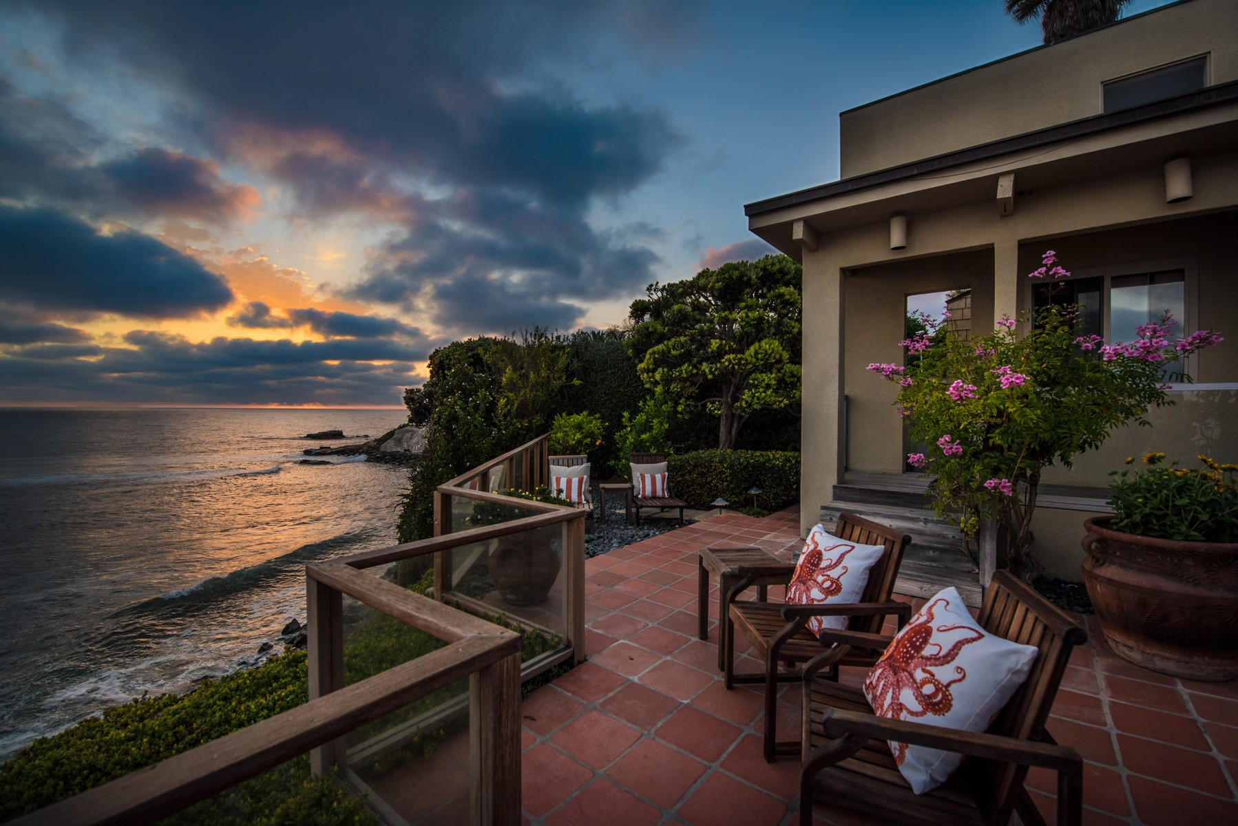 Additional photo for property listing at 310 Forward Street  La Jolla, California 92037 United States