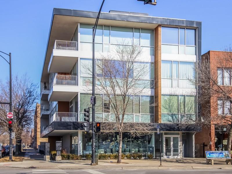Кооперативная квартира для того Продажа на Stunning Wicker Park Penthouse 2154 W Division Street Unit 402 West Town, Chicago, Иллинойс 60622 Соединенные Штаты