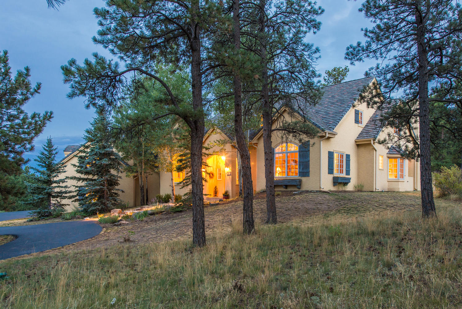 Single Family Home for Sale at Brilliantly Combining Rustic and Refined 28087 Meadowlark Drive Golden, Colorado, 80401 United States
