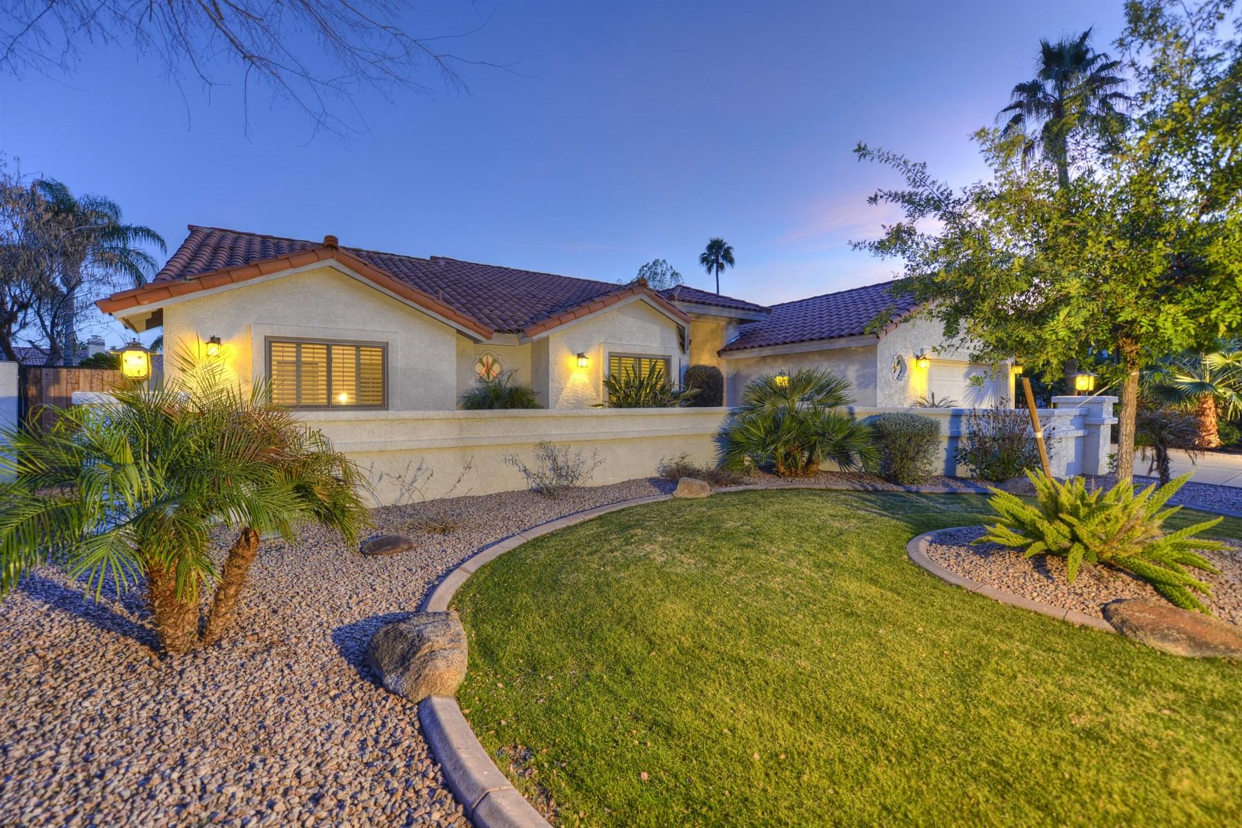 Maison unifamiliale pour l Vente à Welcome to the Perfect Family Home in McCormick Ranch 8513 E SAN Jacinto Dr Scottsdale, Arizona 85258 États-Unis