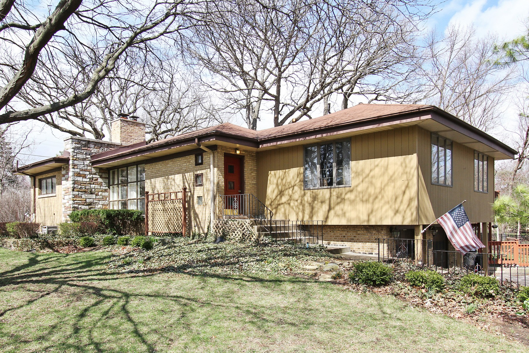 Moradia para Venda às Fabulous Corner Lot Brick Ranch 12143 S 71st Avenue Palos Heights, Illinois, 60463 Estados Unidos
