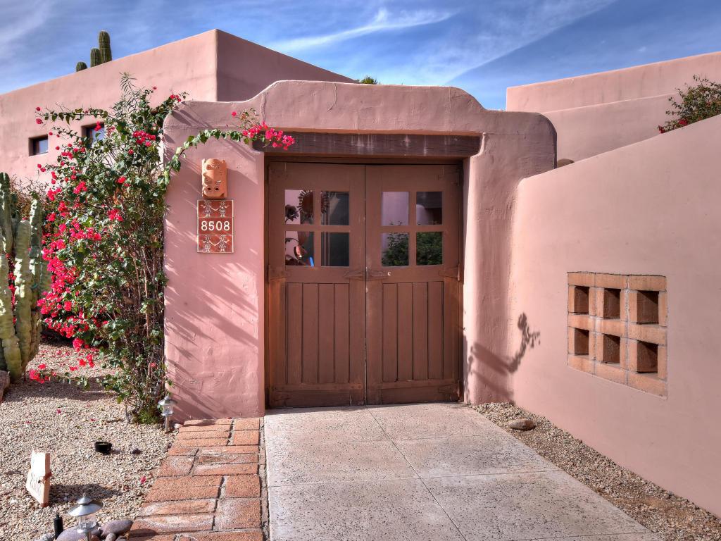 Casa para uma família para Venda às First Time On Market 8508 E La Senda Dr Scottsdale, Arizona 85255 Estados Unidos