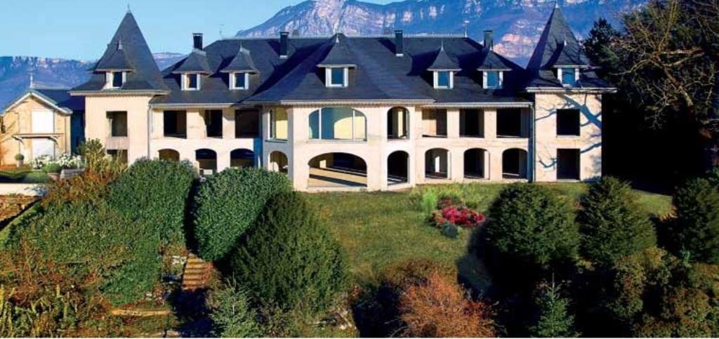 Частный односемейный дом для того Продажа на Exceptionnel Chateau Other Rhone-Alpes, Рона-Альпы 73100 Франция