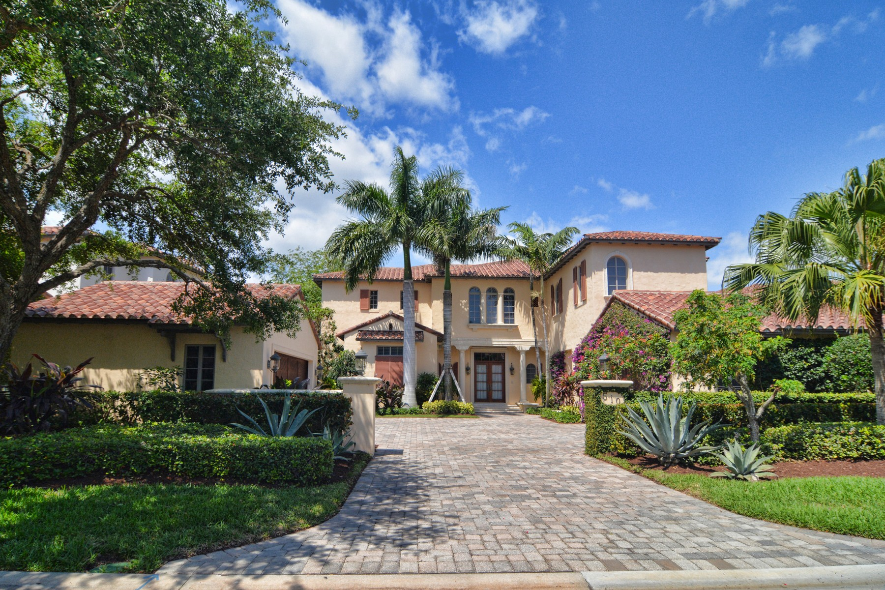 Single Family Home for Sale at 510 Bald Eagle Drive Jupiter, Florida, 33477 United States