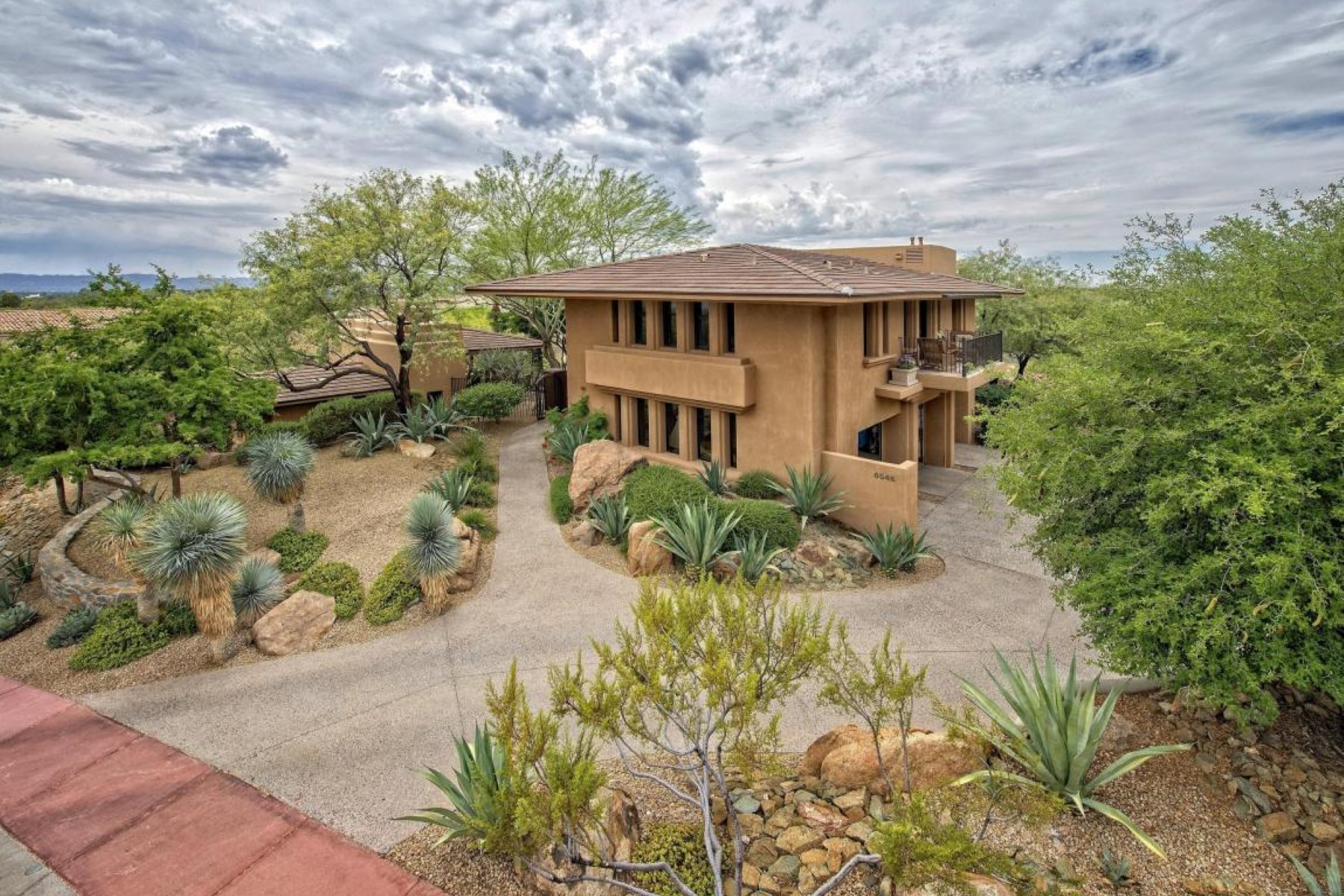 Single Family Home for Sale at This ''Jewel'' of the Biltmore Hillside Estates. 6546 N ARIZONA BILTMORE CIR N Phoenix, Arizona 85016 United States