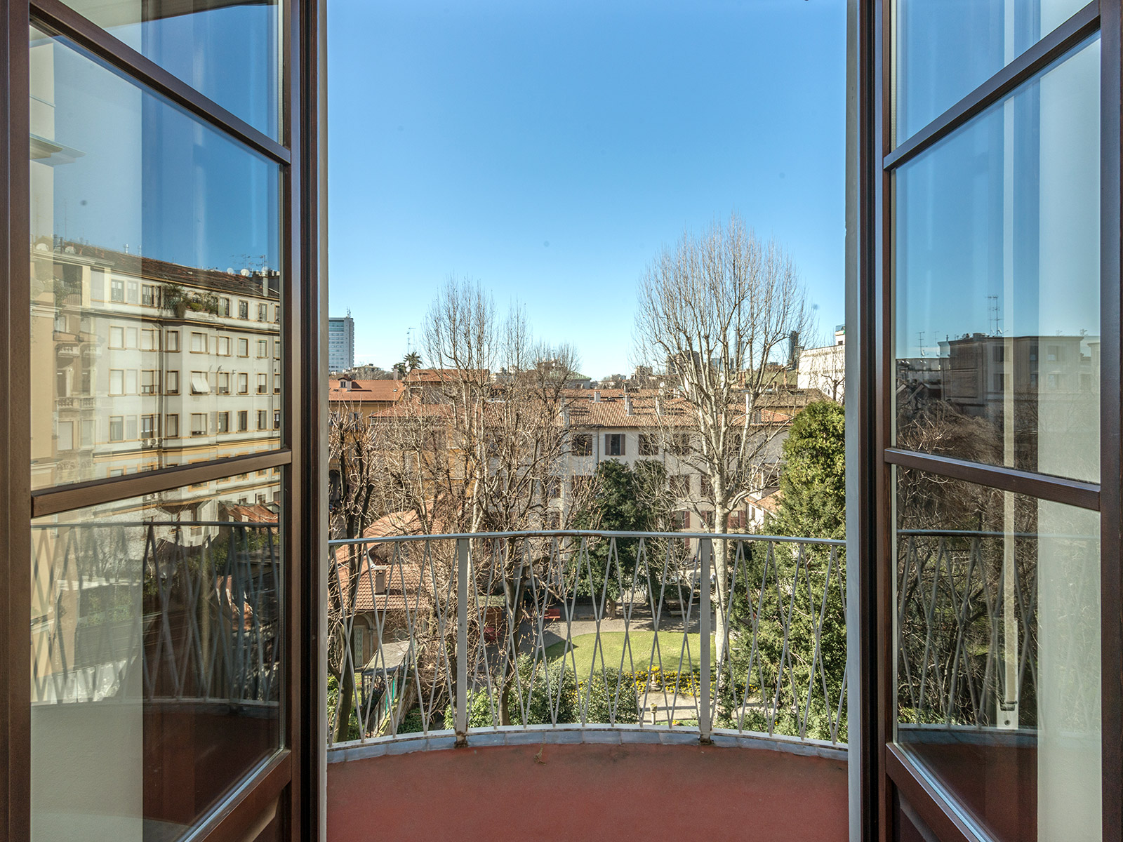Single Family Home for Sale at Charming apartment in prestigious building Piazza Duse Milano, Milan 20122 Italy