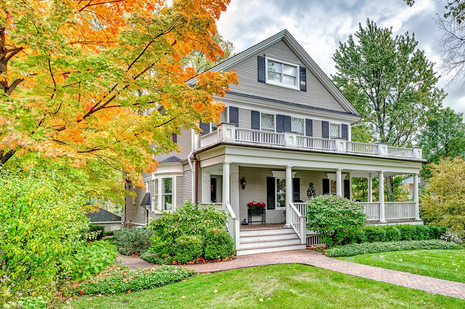Einfamilienhaus für Verkauf beim 119 N Grant Hinsdale, Illinois 60521 Vereinigte Staaten