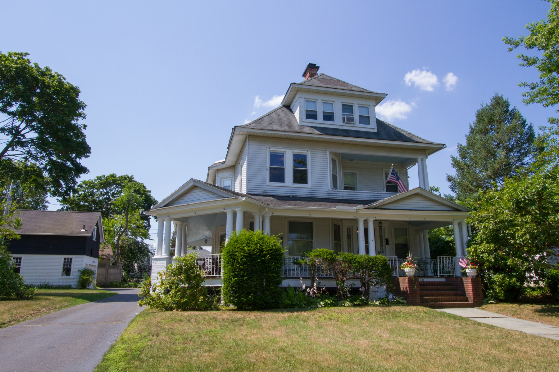 Single Family Home for Sale at Quintessential Beach House 220 Elberon Ave Allenhurst, New Jersey, 07711 United States