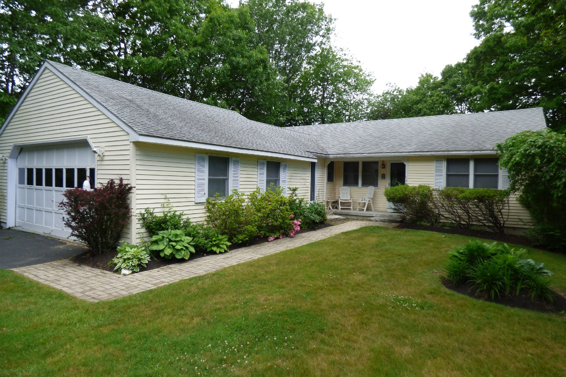 Single Family Home for Sale at Charming York Ranch 18 Glenn Lane York, Maine, 03909 United States